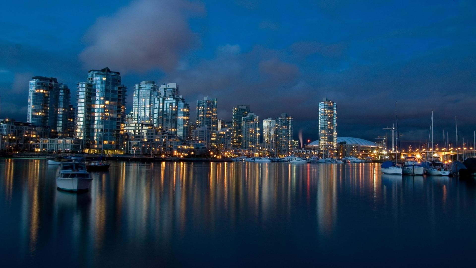 Views: 955 Panama 9856