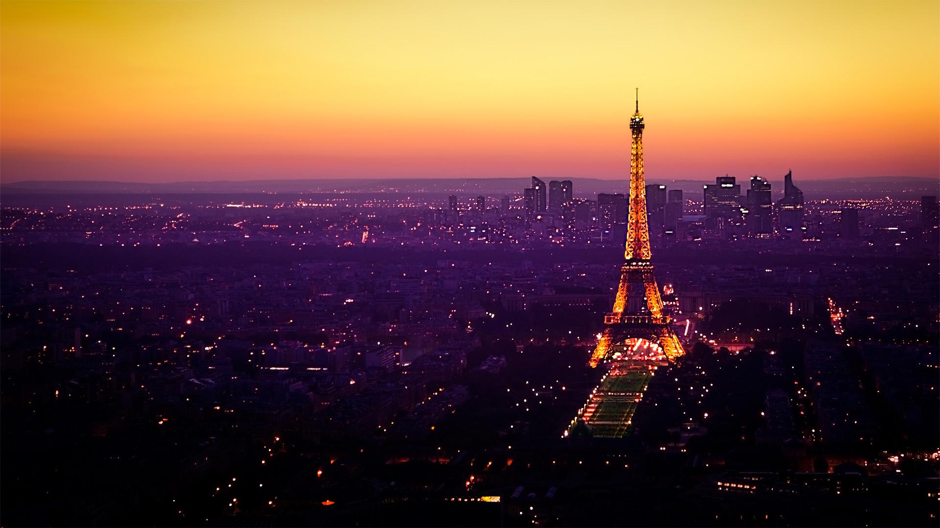 Night Fall In Paris Wallpaper