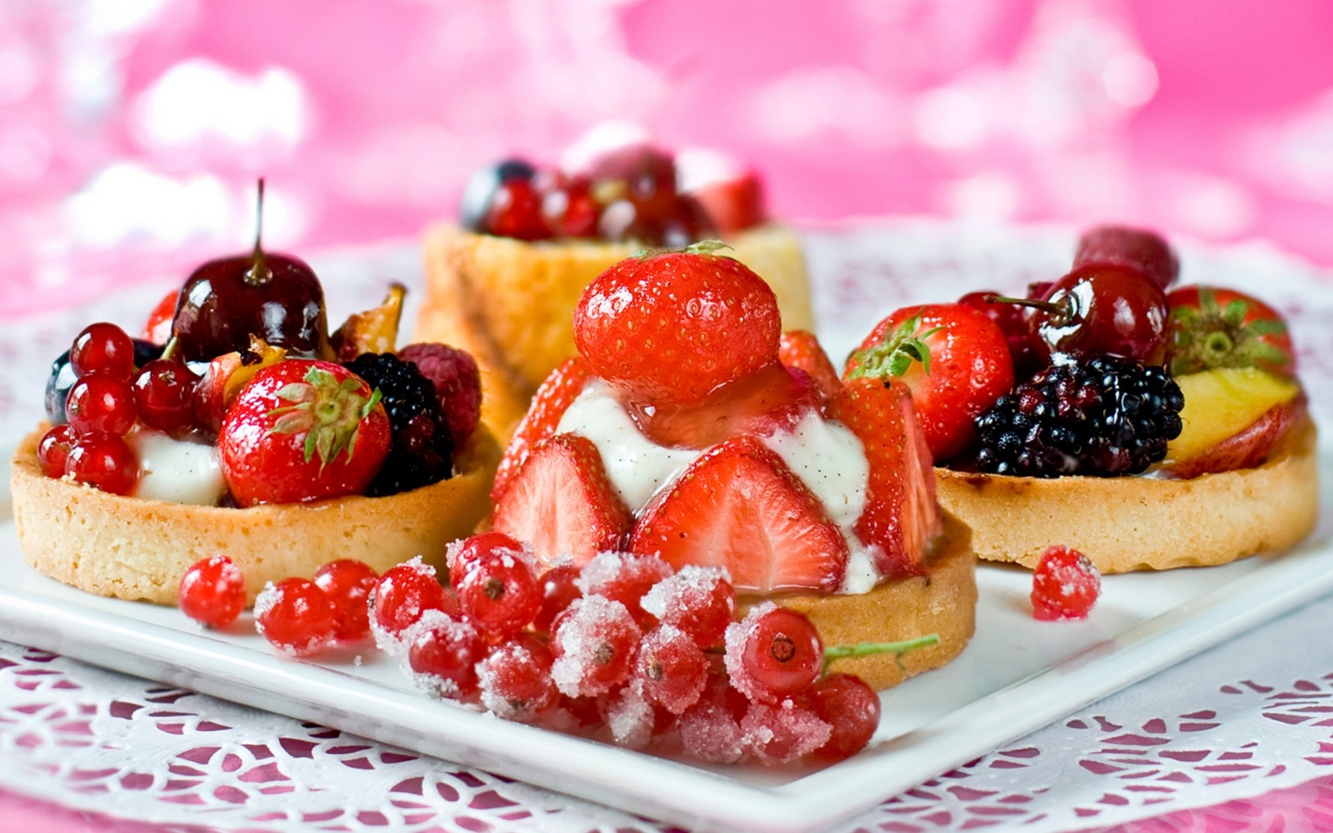 Fruit Tarts wallpaper