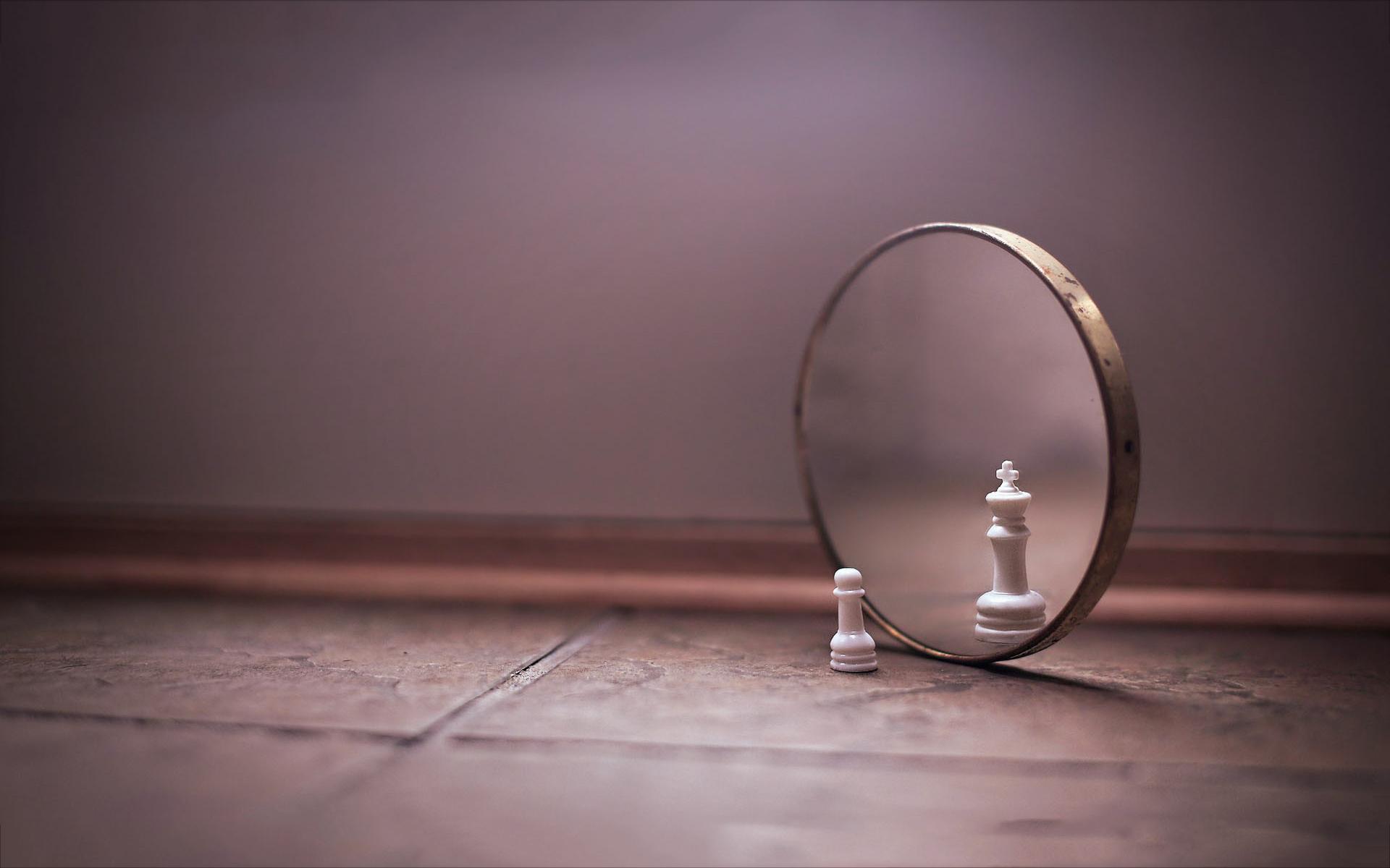 Pawn mirror chess king