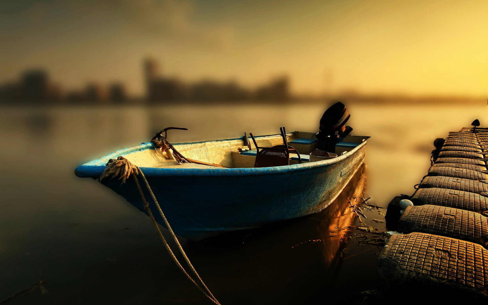 Peaceful Boat Wallpaper