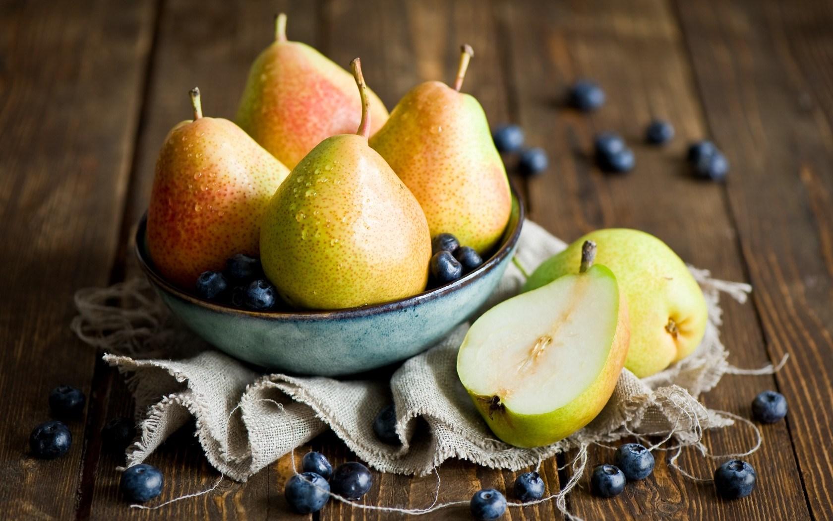 Pears Blueberries