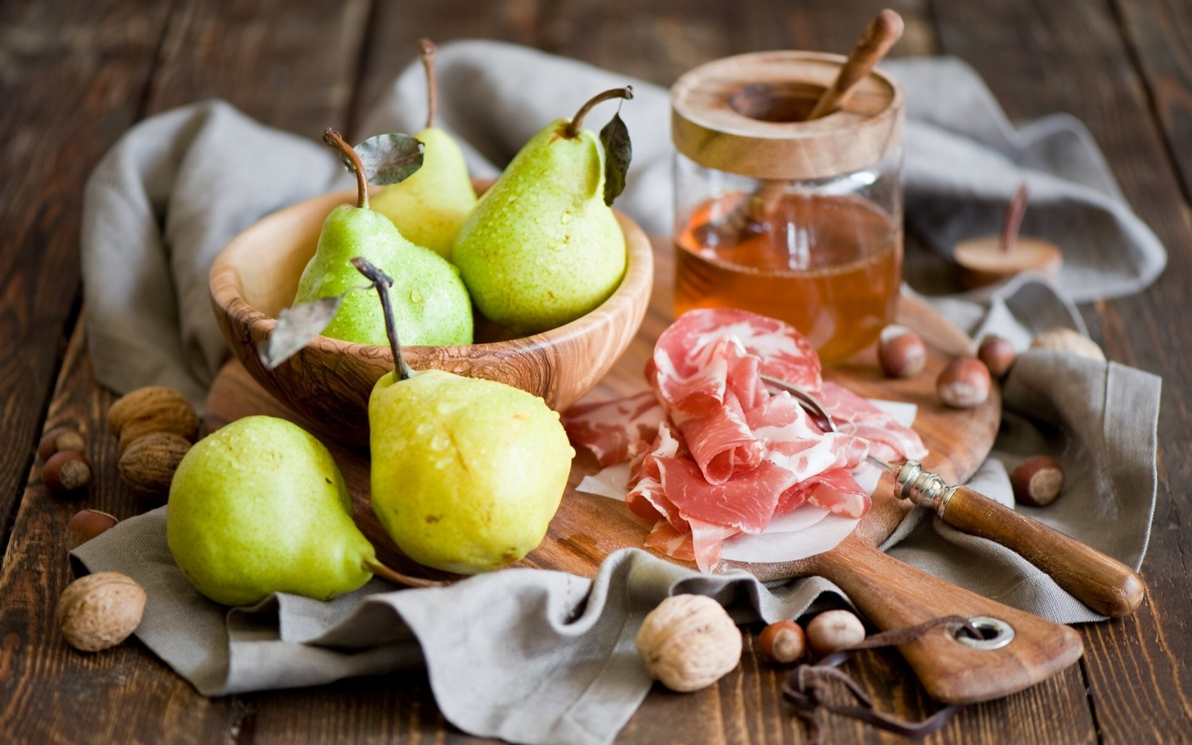 Pears Honey Nuts