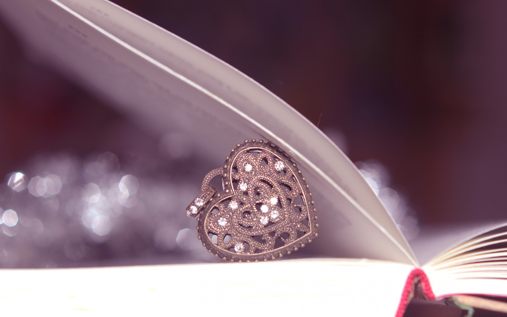 Pendant Heart Book Bokeh
