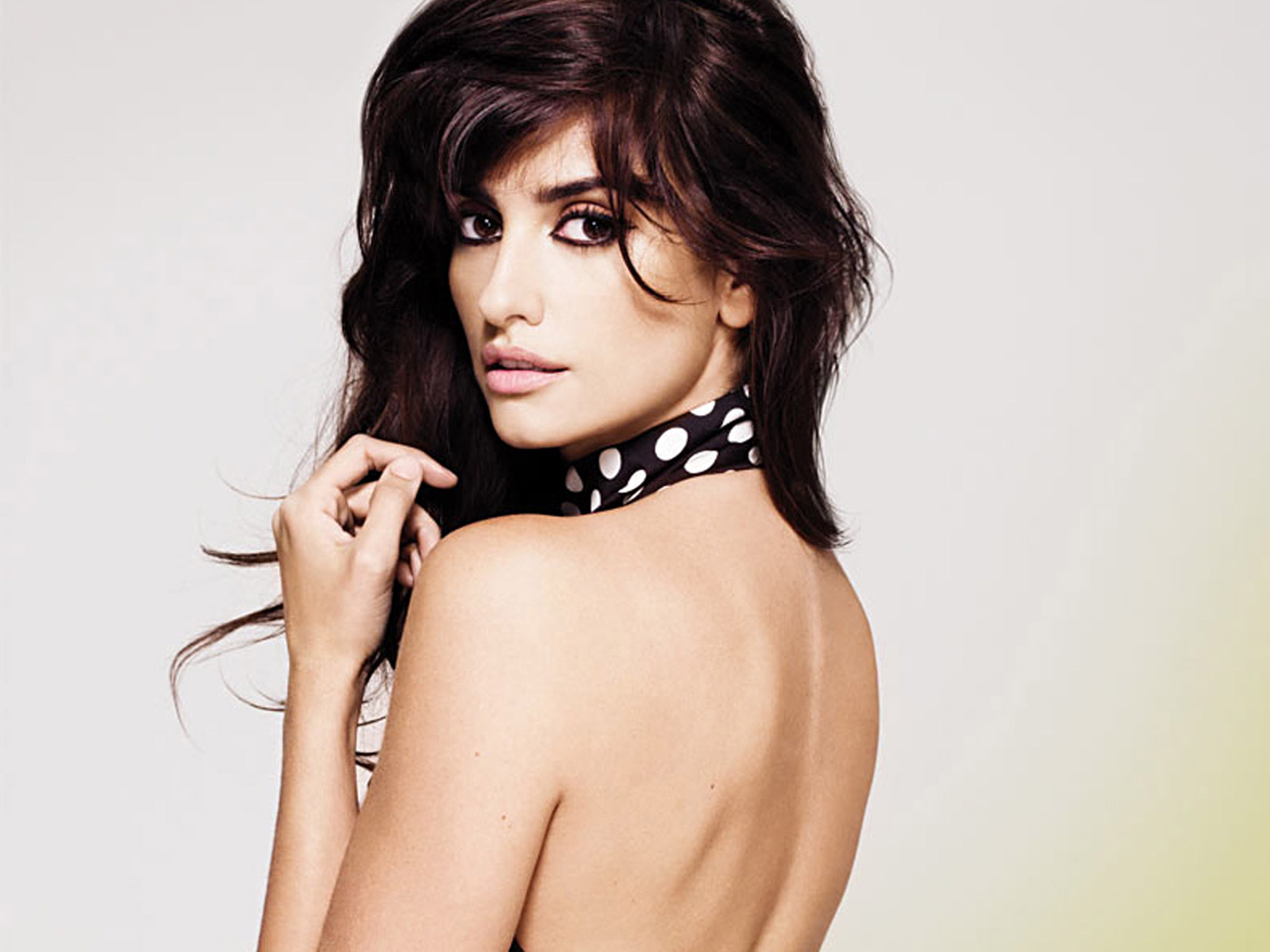 Penelope Cruz is the Next Bond Girl?