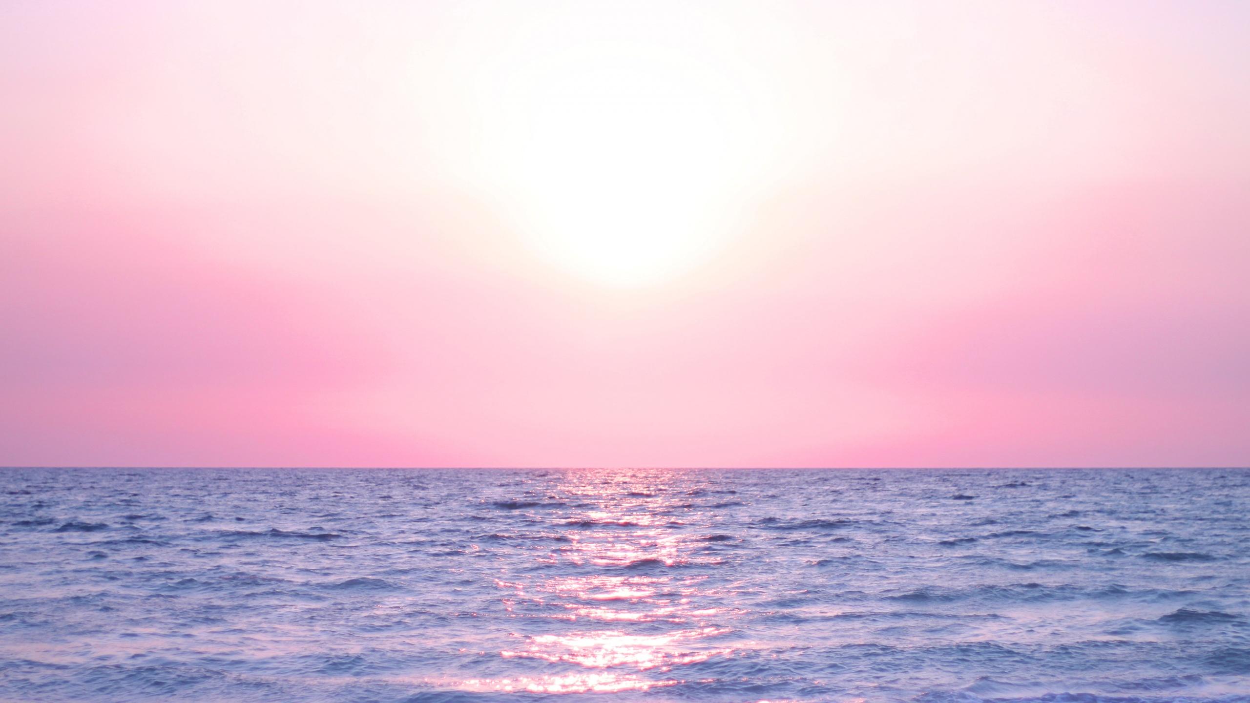 Stunning California Beach House Inspired By The Horizon: Pink Horizon Wallpaper