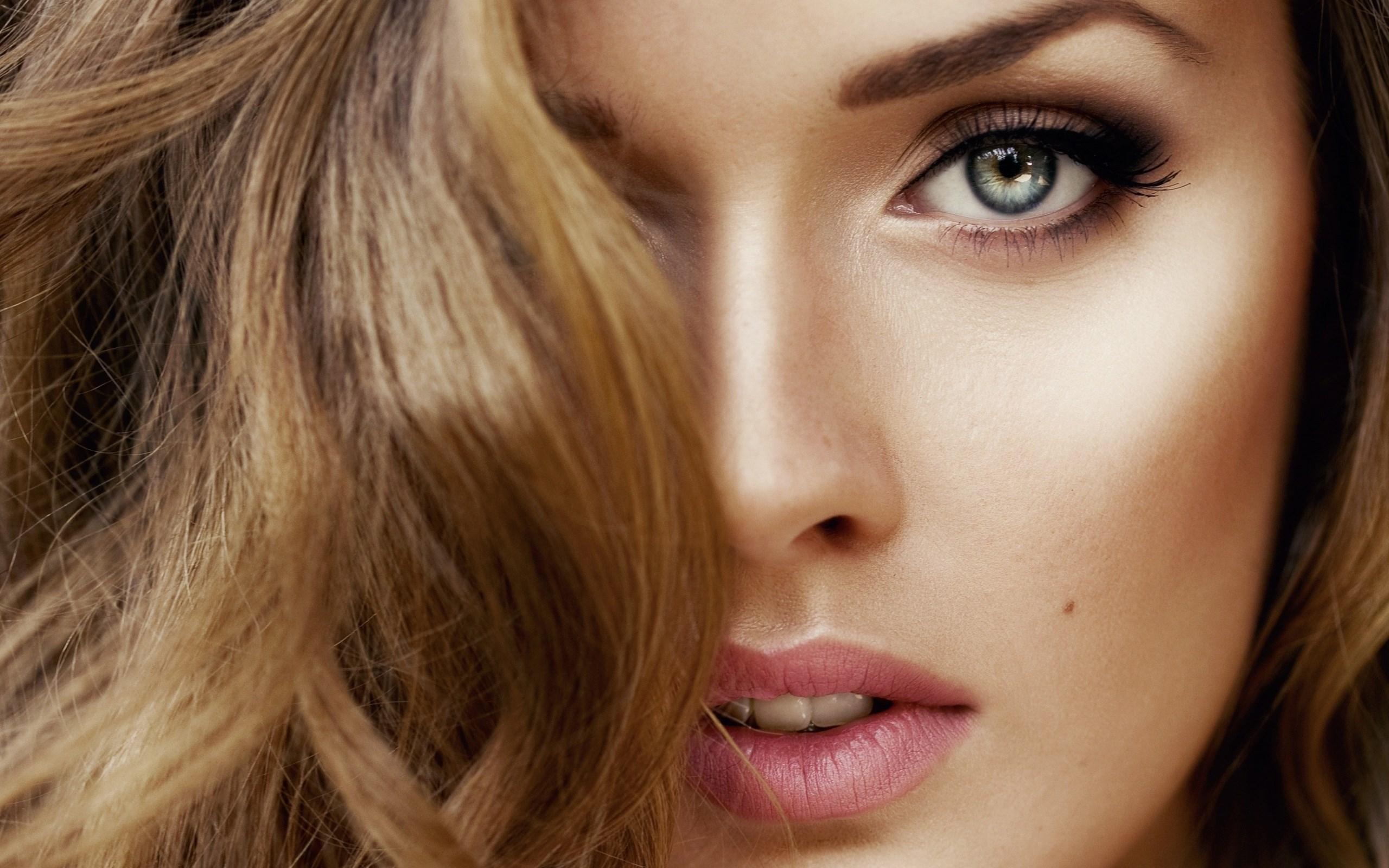 Pink Lips Blonde Girl Portrait