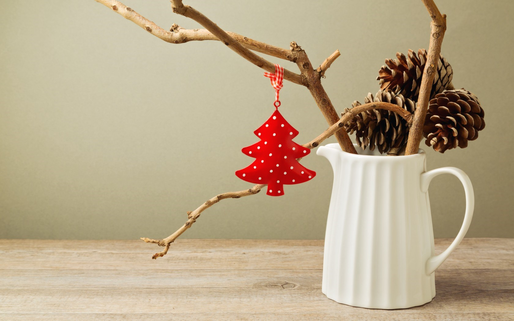 Pitcher White Pine Cones Twigs Christmas Tree Red Holiday Winter
