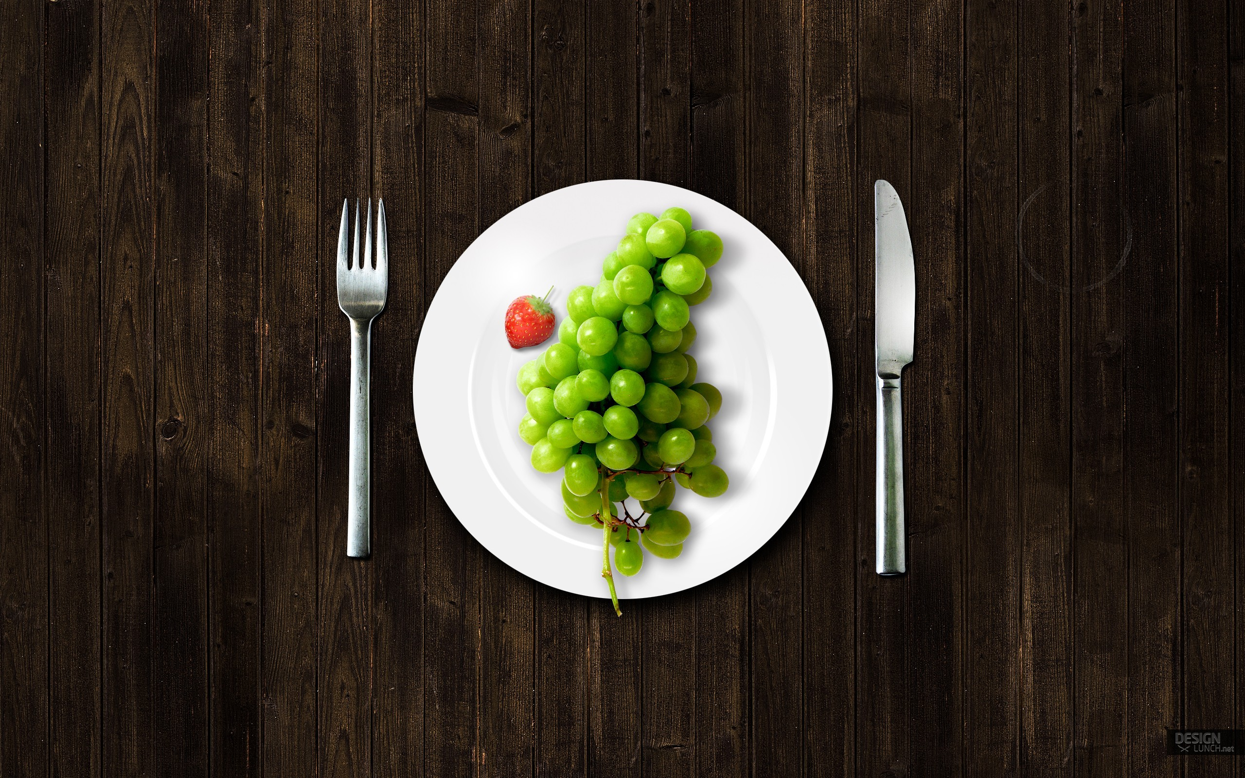 Wallpaper grapes, fork, knife, plate. +49