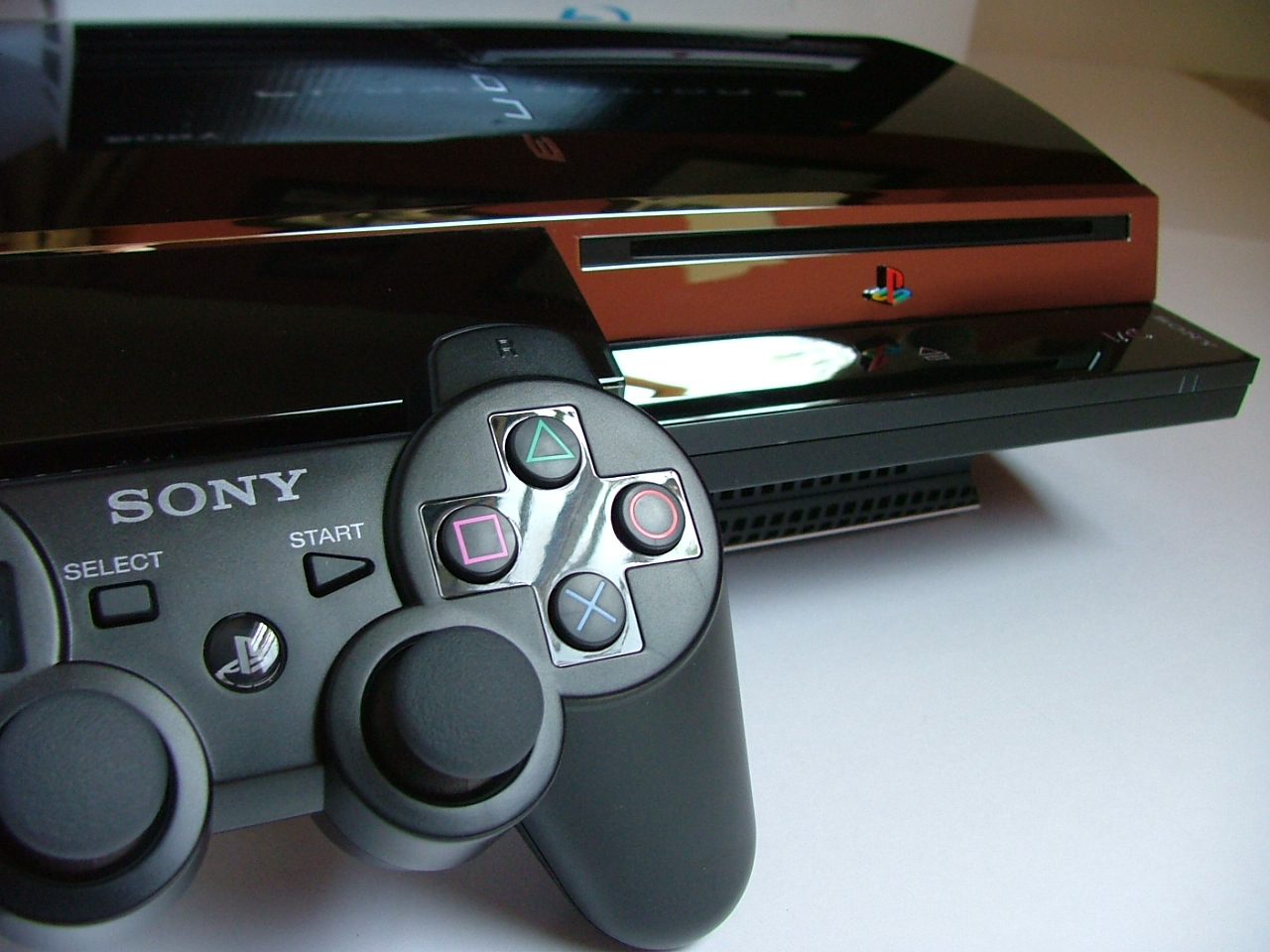 File:Playstation 3 and controller.jpg