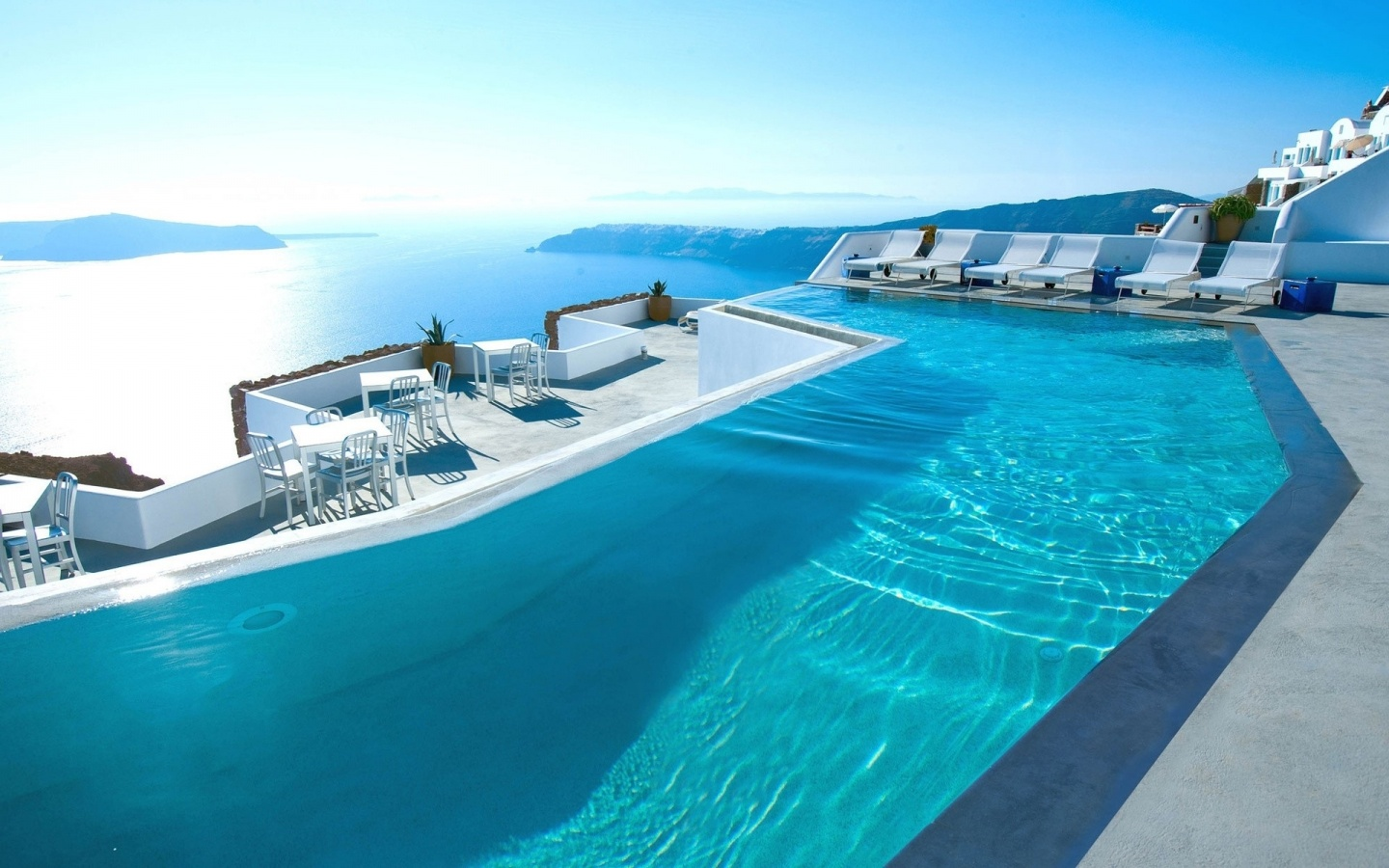 swimming pool santorini