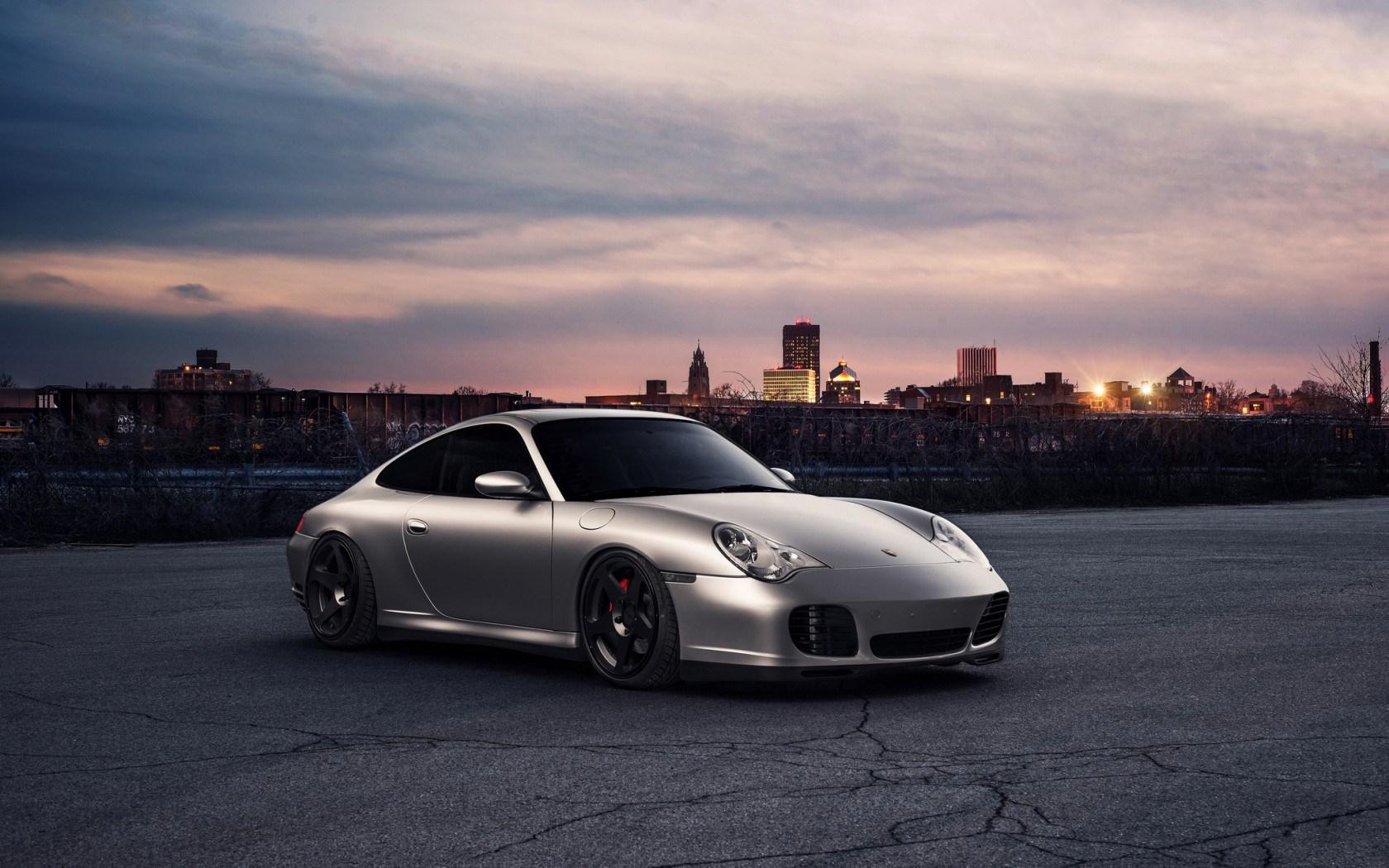 Porsche 911 Front City