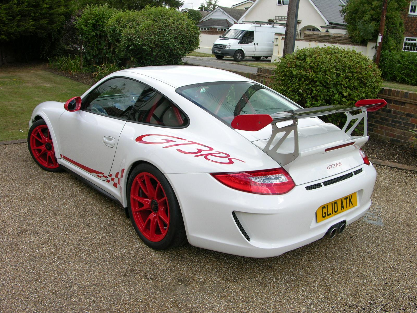 2010 Porsche 997 GT3 RS (post-facelift) rear.