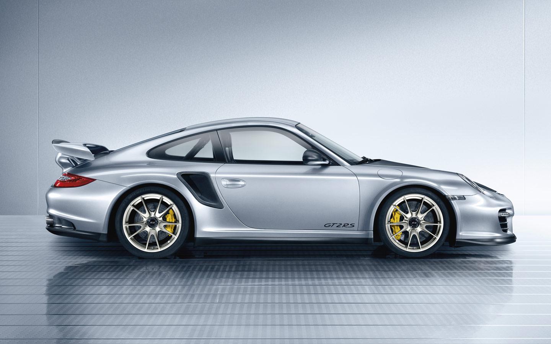 2011 Porsche 911 GT2 RS.