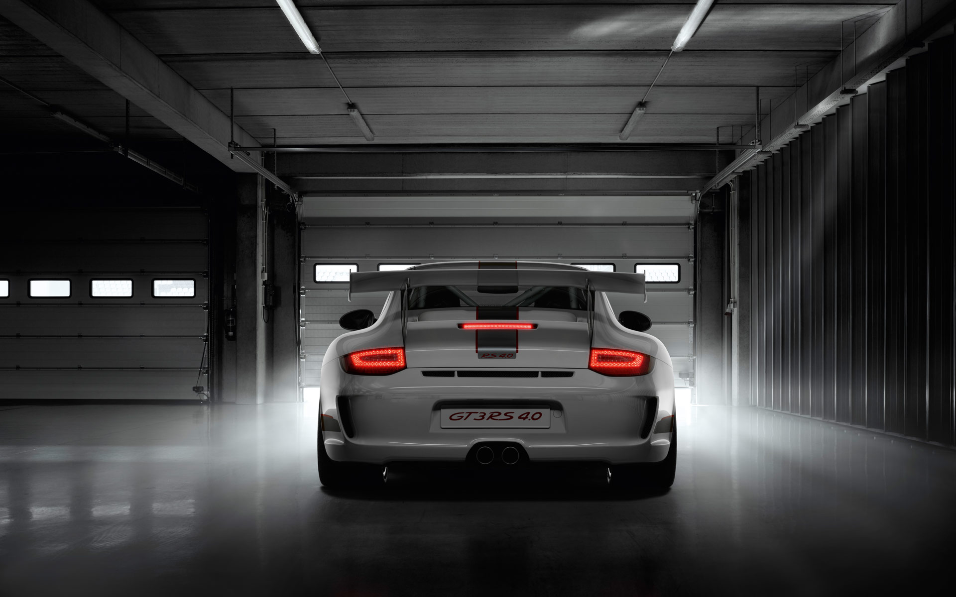 2013 Porsche 911 GT3 RS 4.0 Images. Photo: Porsche-911-GT3-