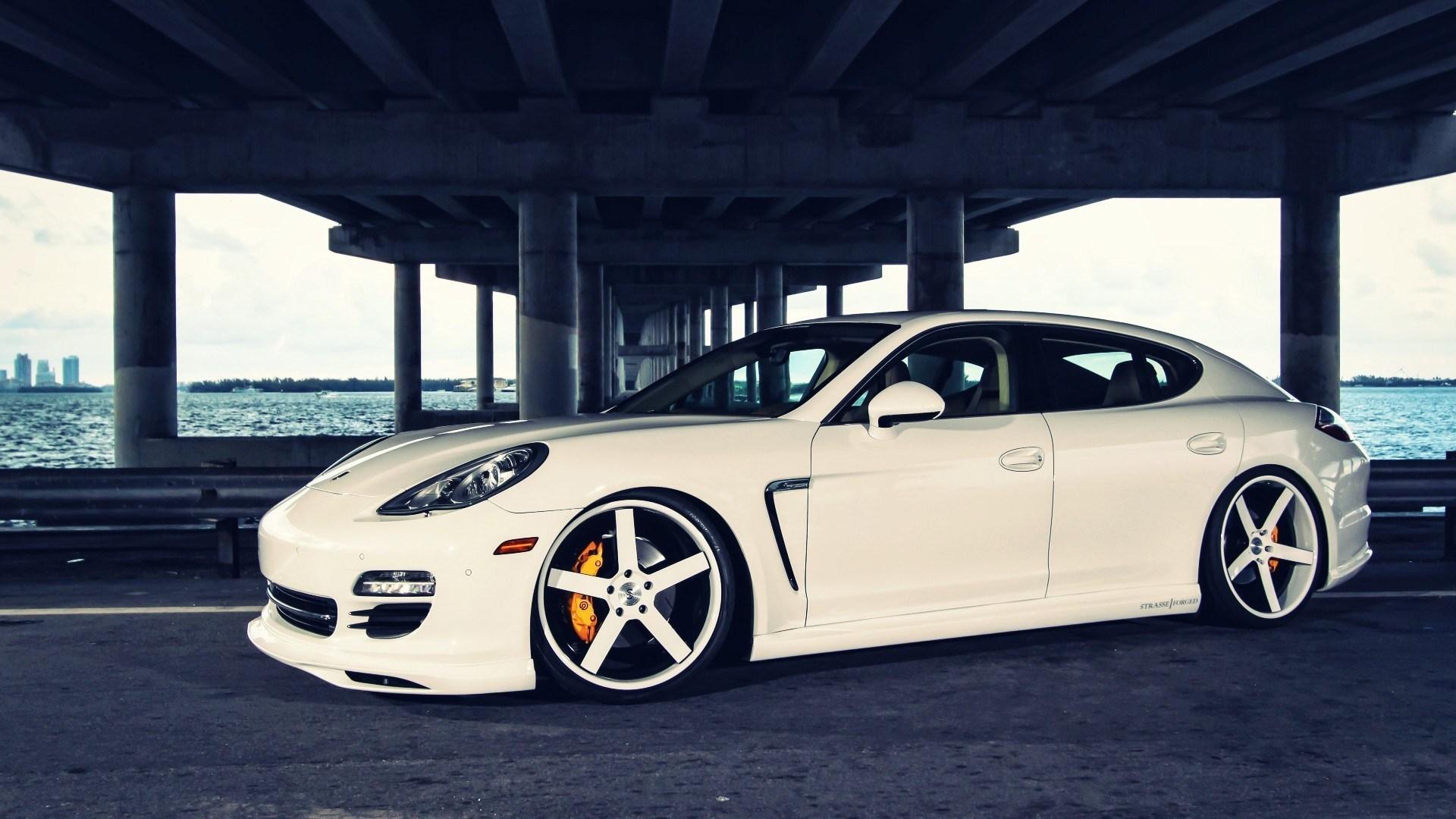 Porsche Panamera Bridge