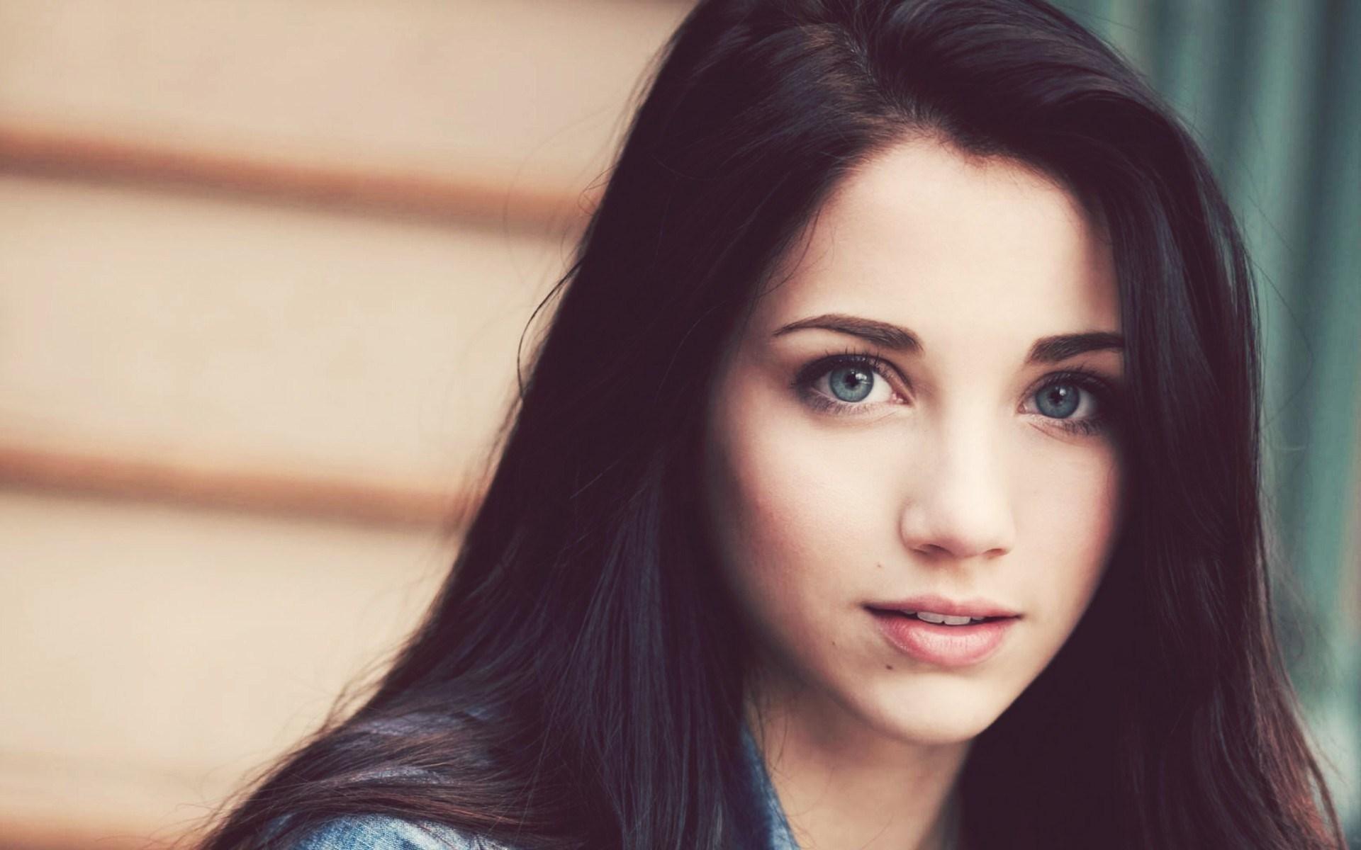 Mood Girl Brunette Portrait Photo