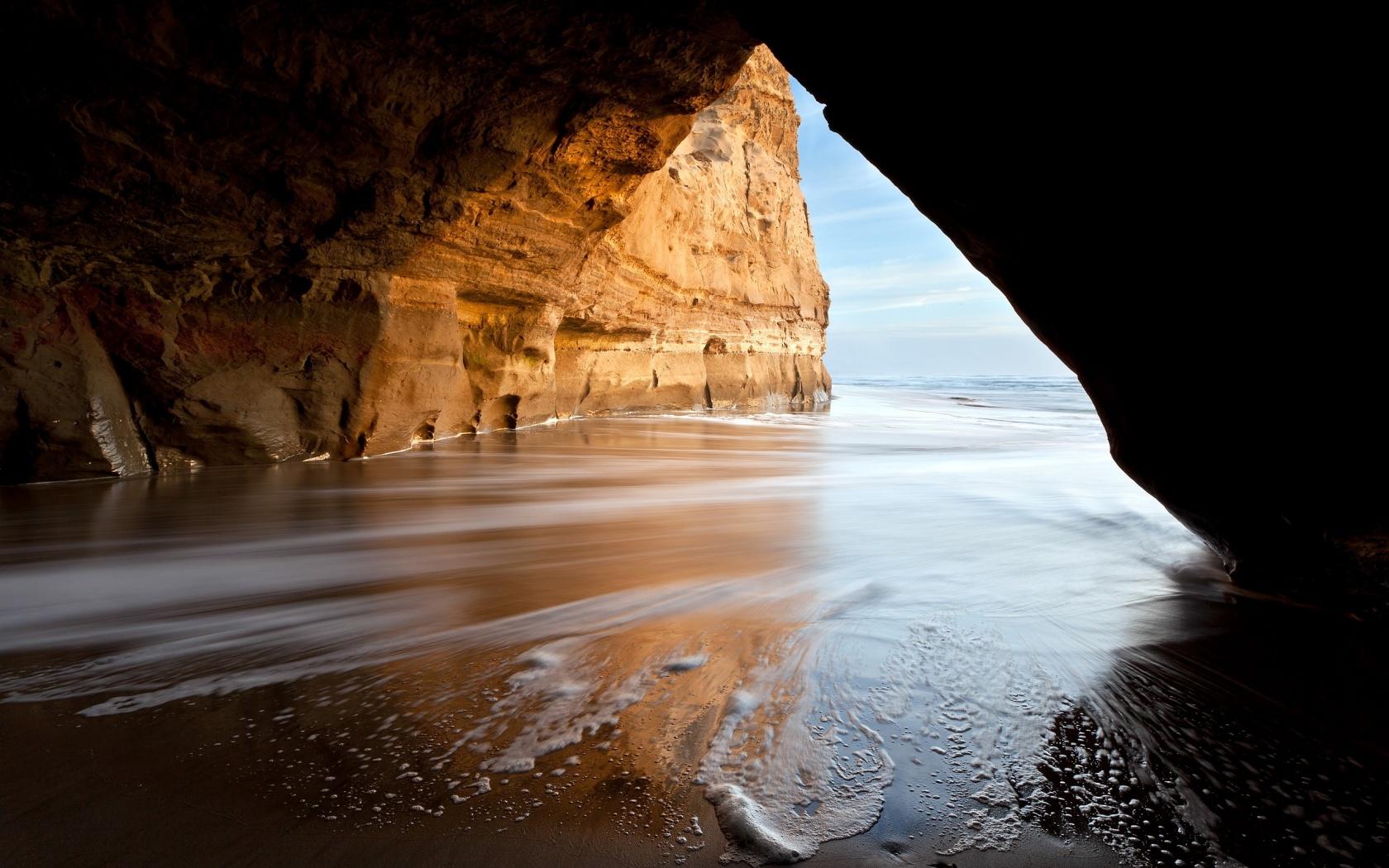 Pretty Cave Wallpaper