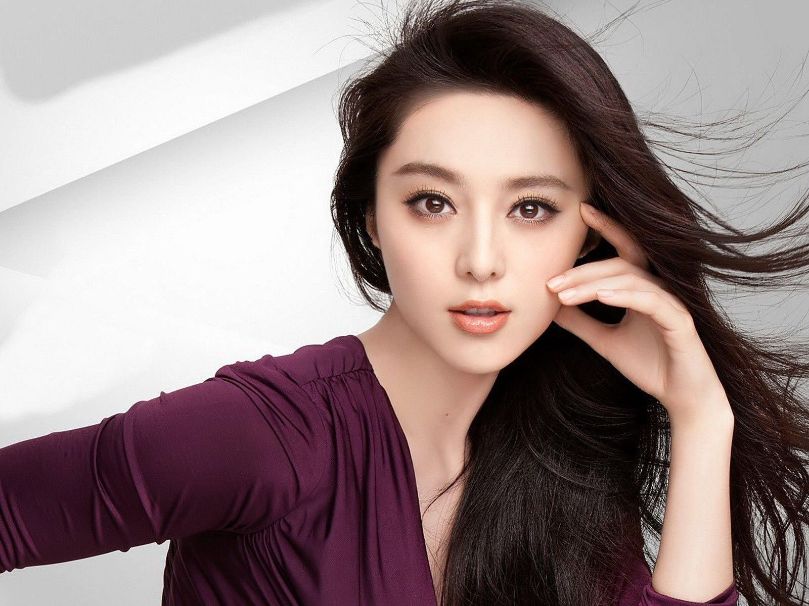 Pretty Fan BingBing Wallpaper