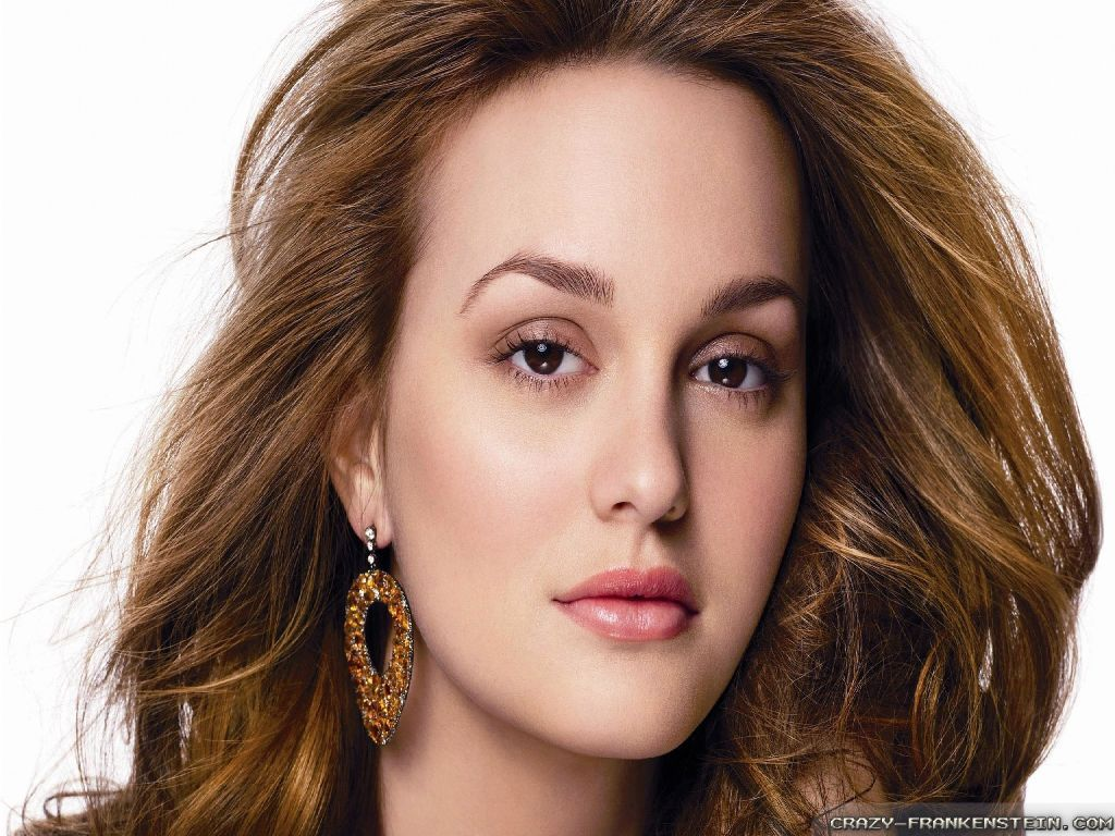 Pretty Leighton Meester Wallpaper