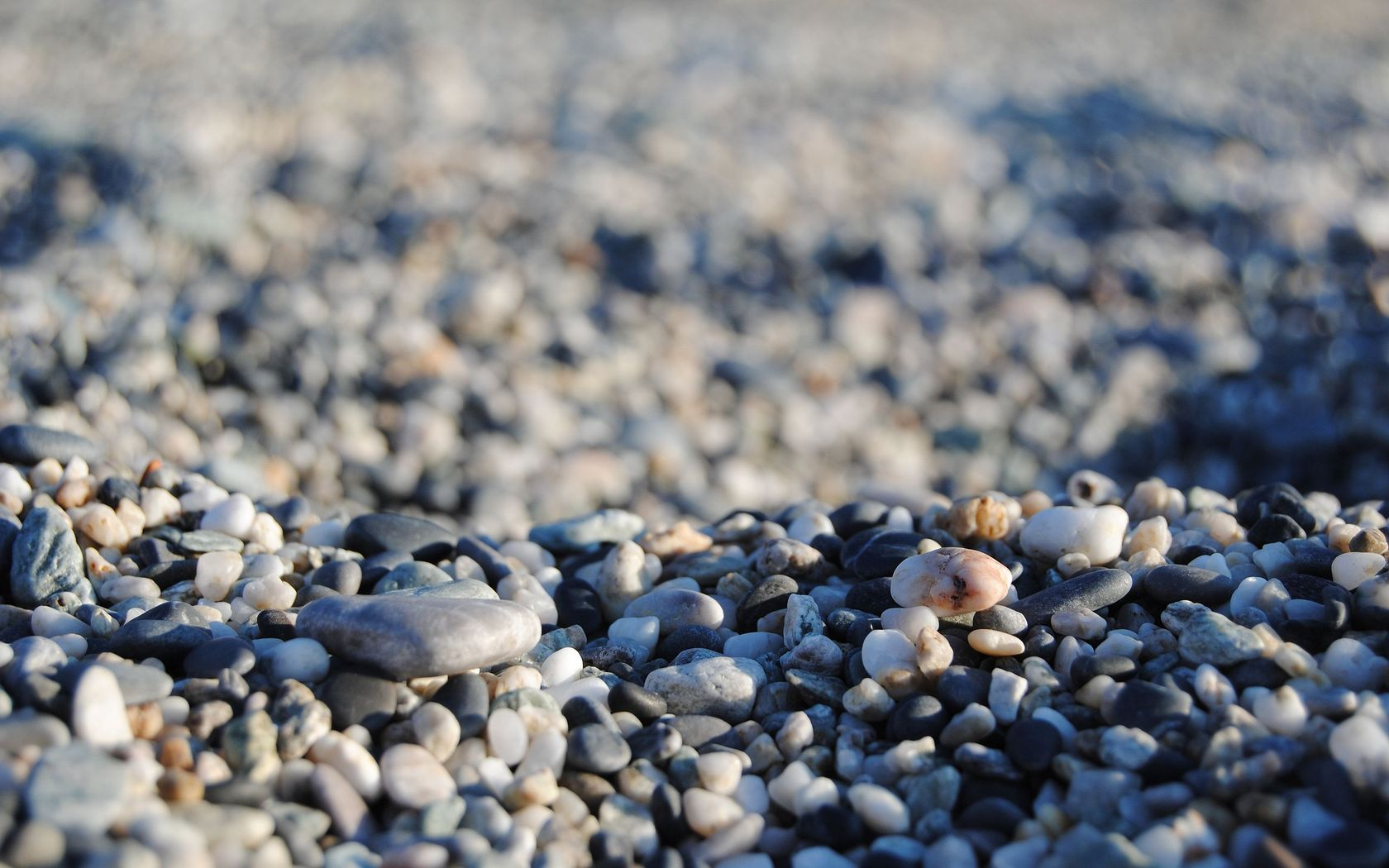 Pretty Pebbles Wallpaper