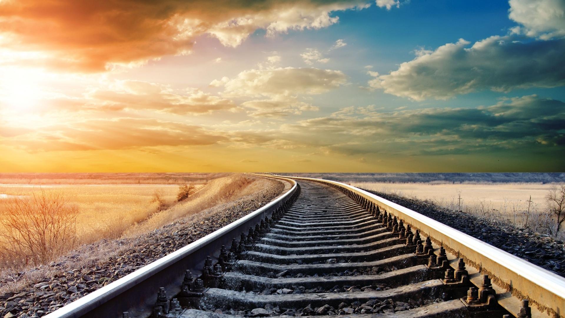 Pretty Train Track Wallpaper
