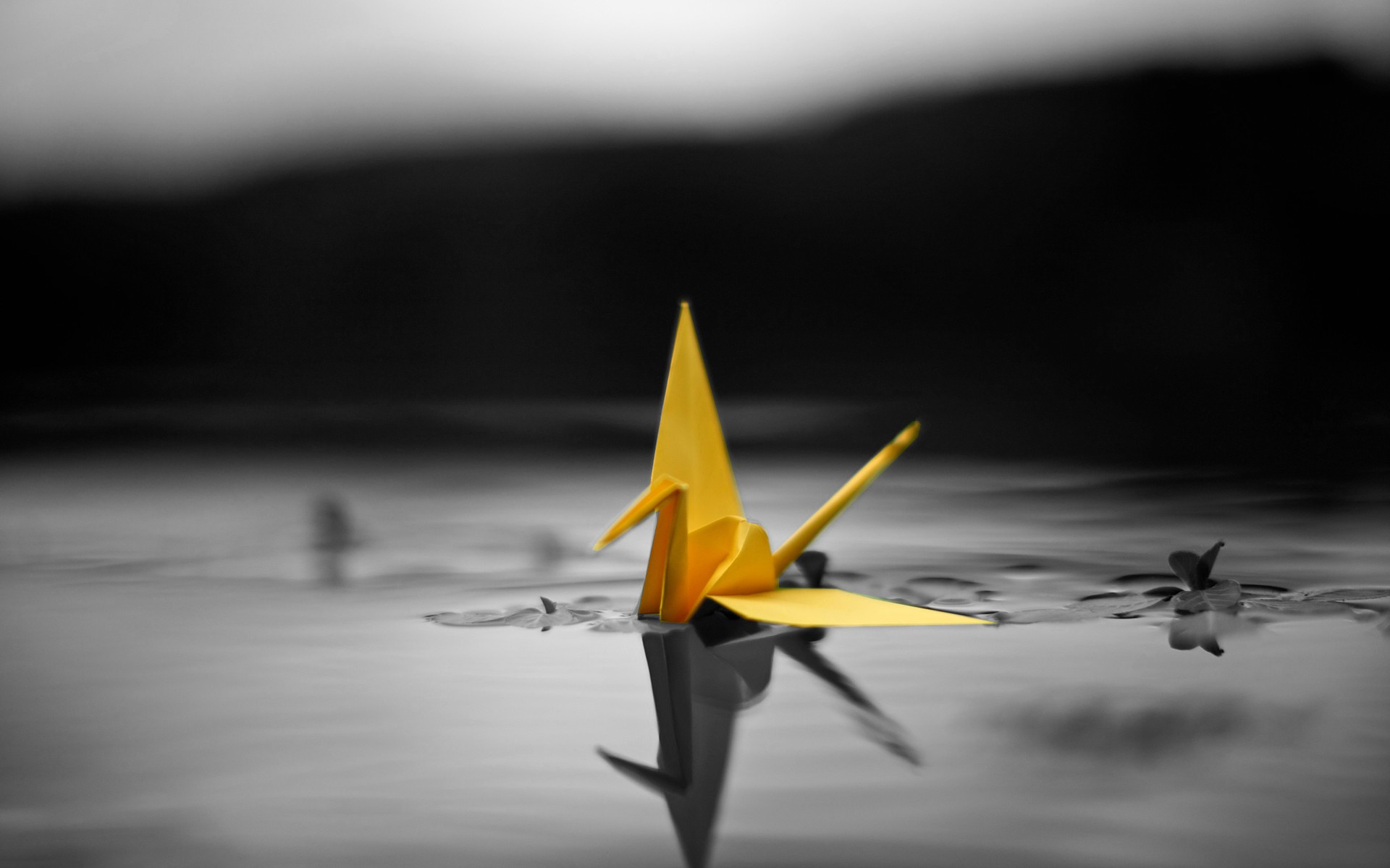 Pretty Yellow Origami Wallpaper