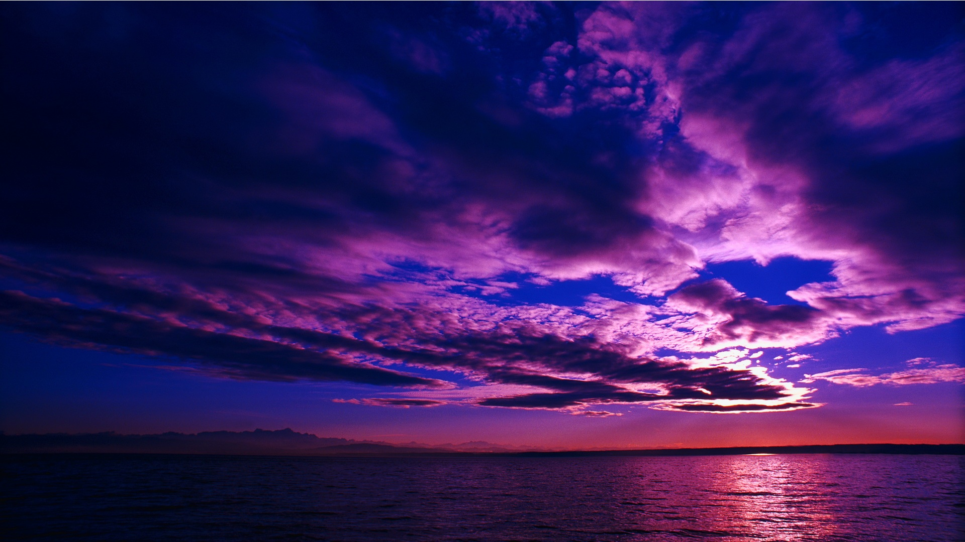 Deep Purple Sunset Wallpaper