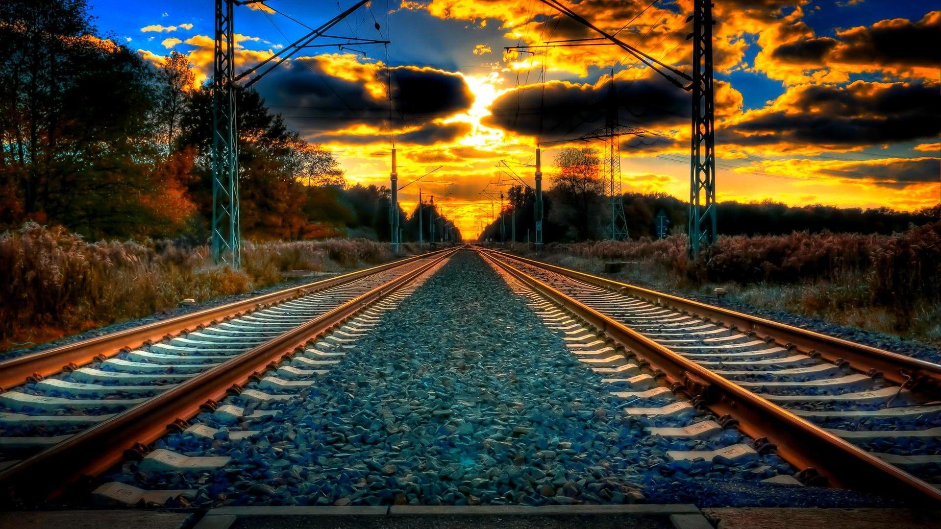 RAILWAY TRACK to HORIZON