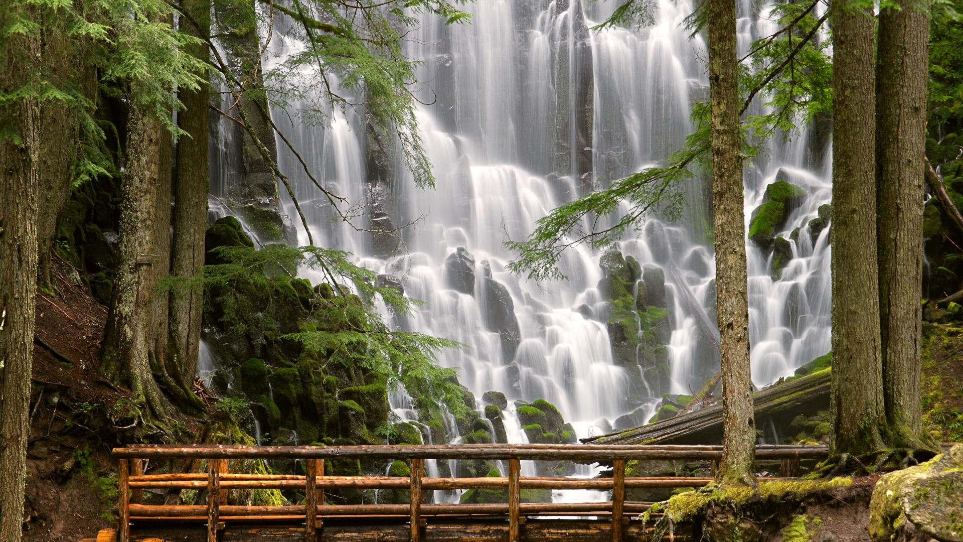 Ramona waterfalls oregon