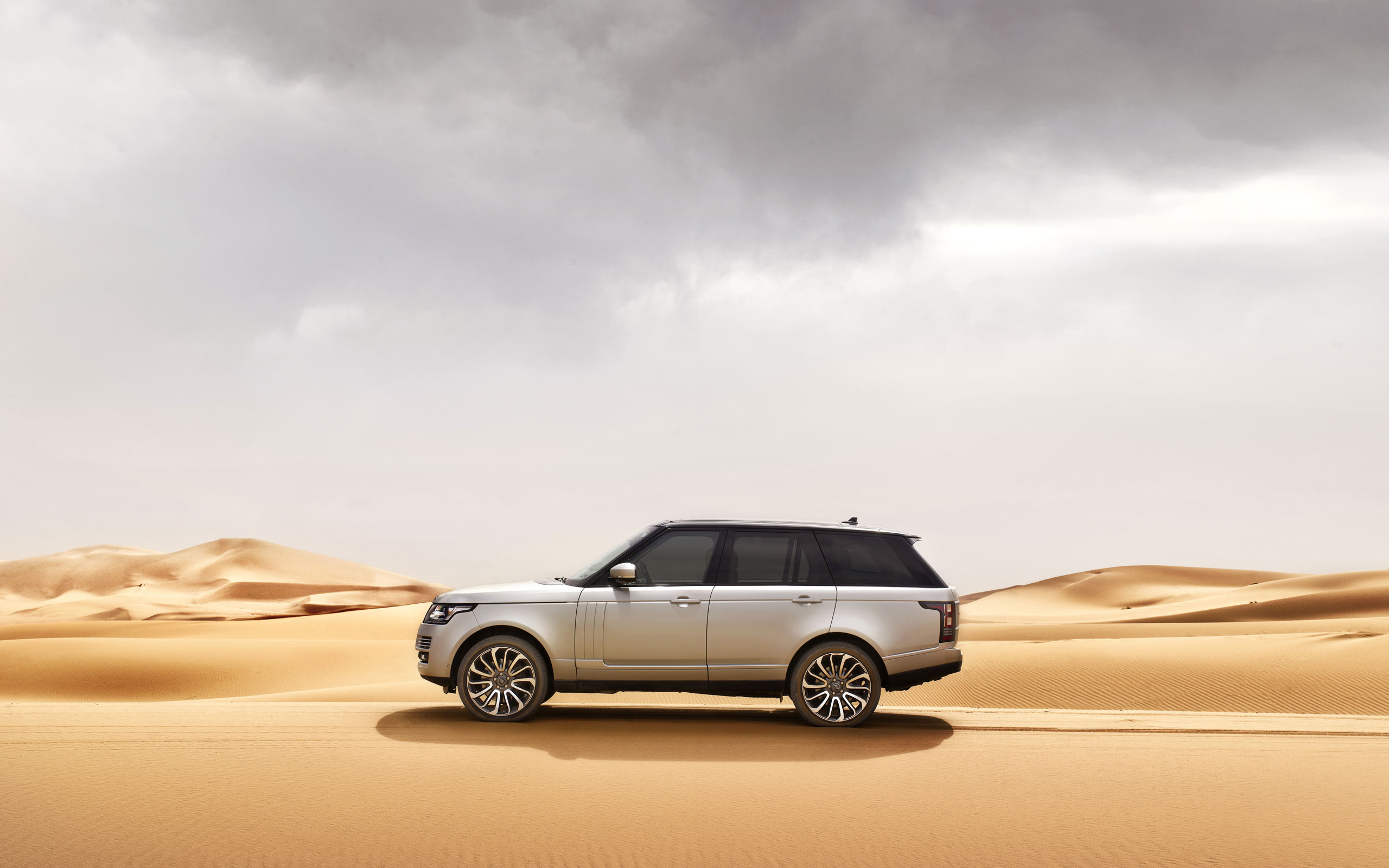 Range Rover Background
