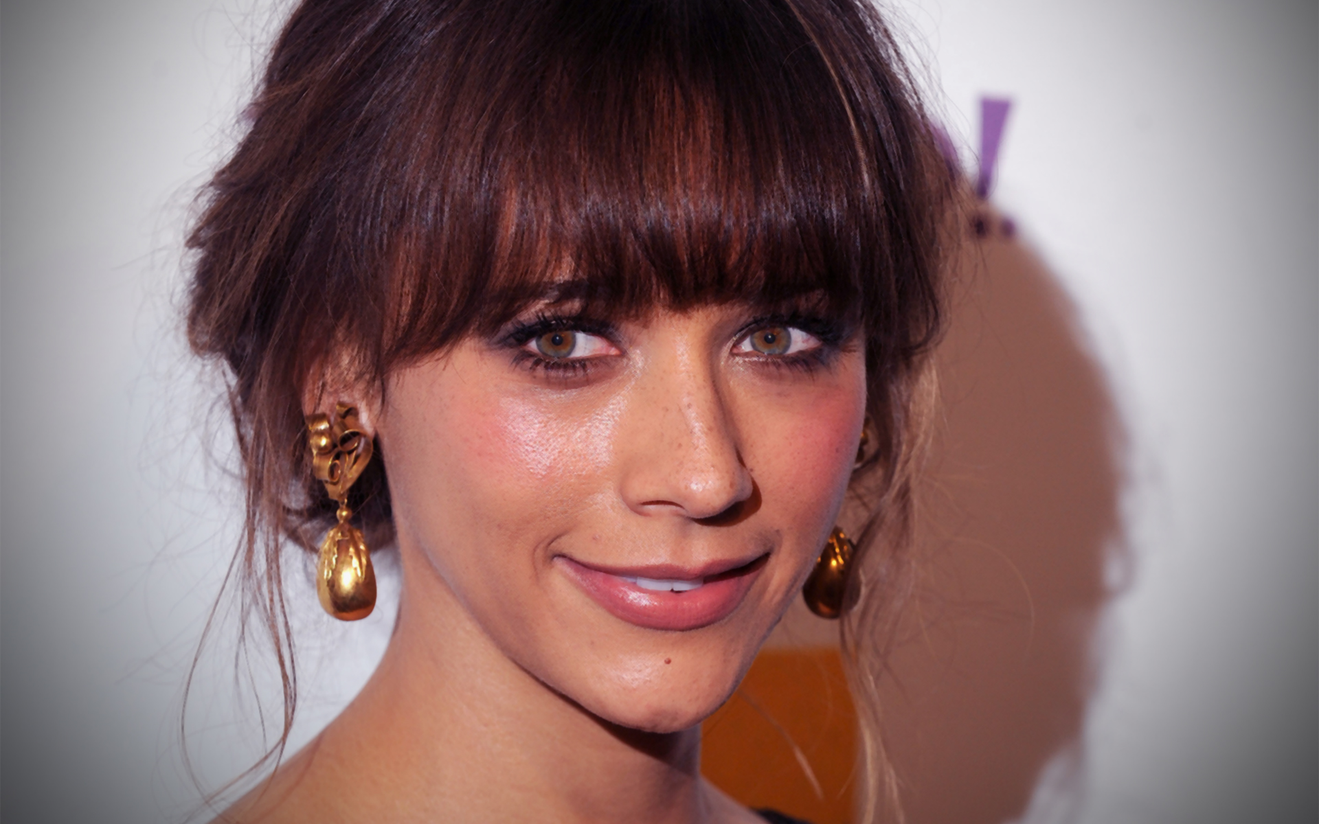 "Do you remember when actress Rashida Jones tweeted about she is sick of the ""pornification"" of pop culture and how she wants all ""those"" pop stars to stop ..."