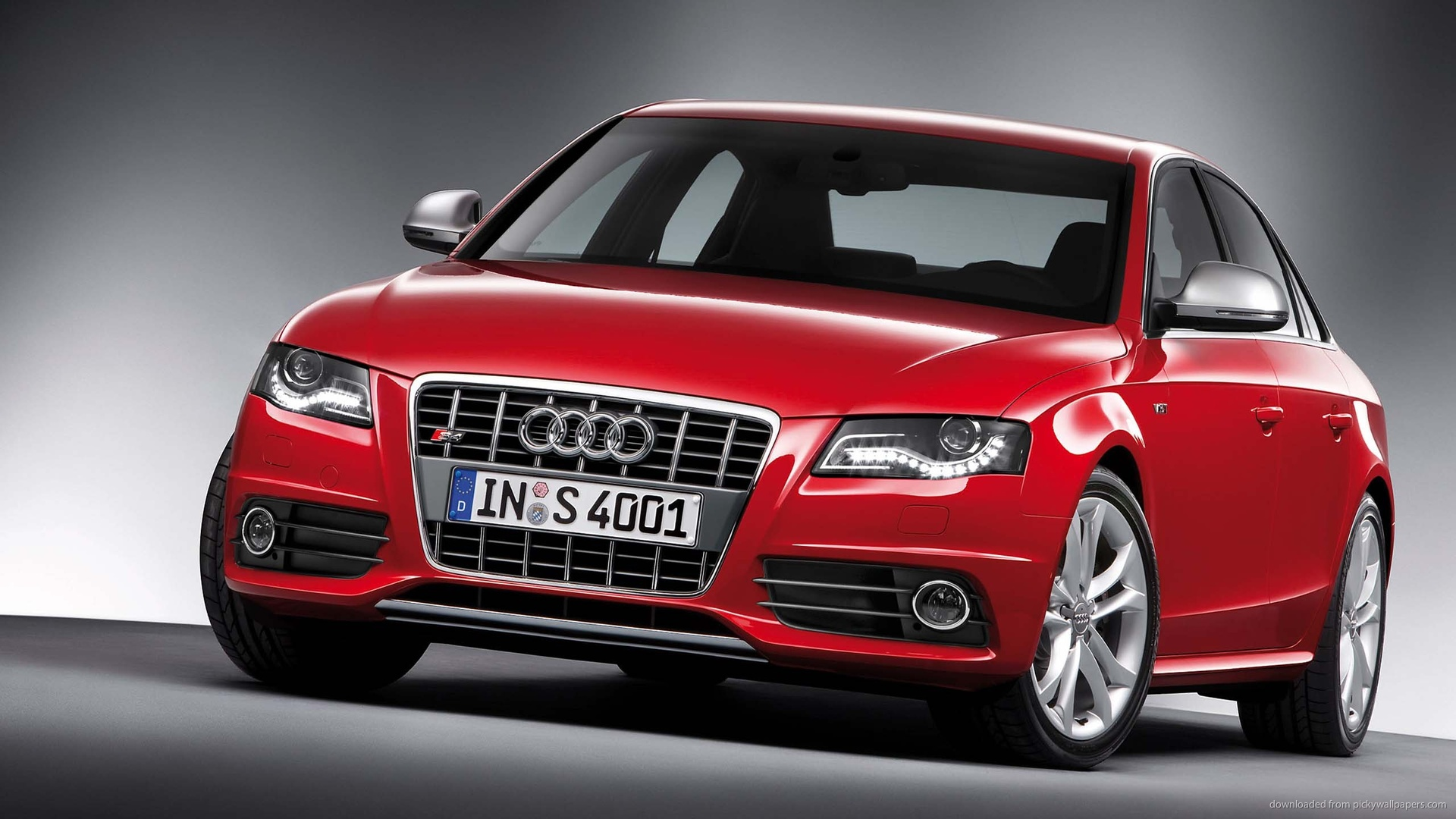 Red Audi Photo