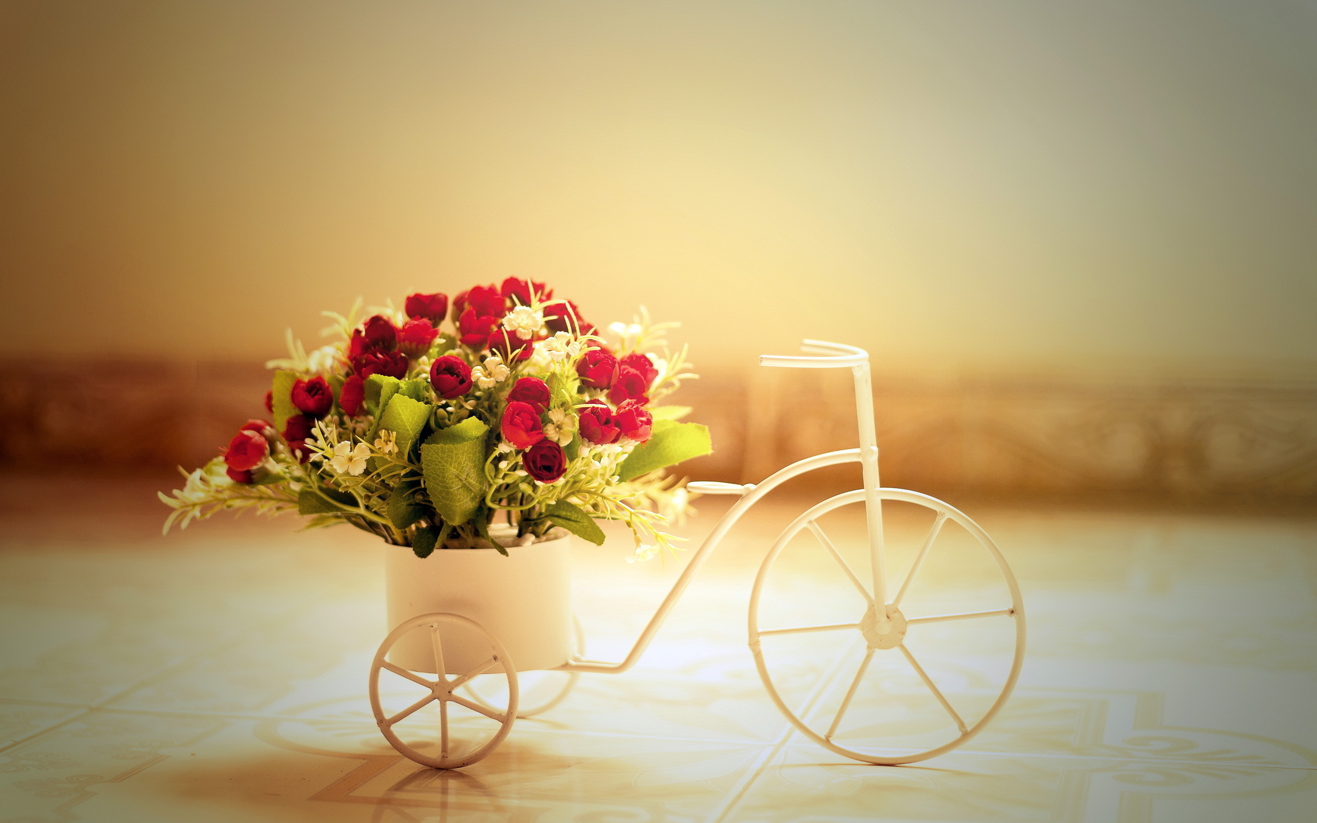 Red roses bike basket