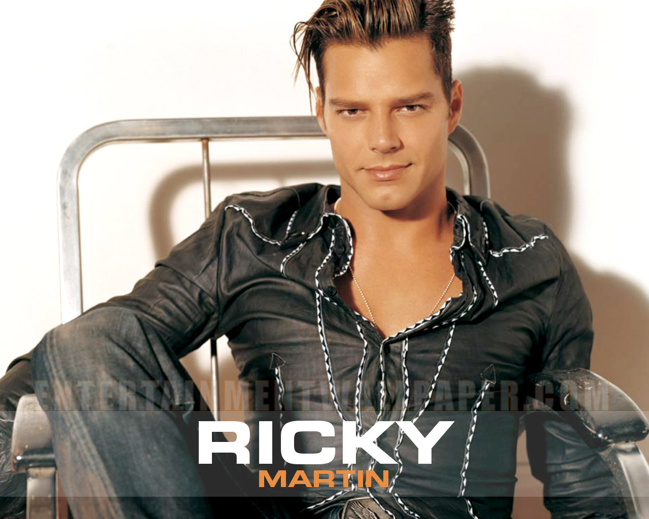 Ricky Martin Wallpaper Desktop Download 1280x1024px