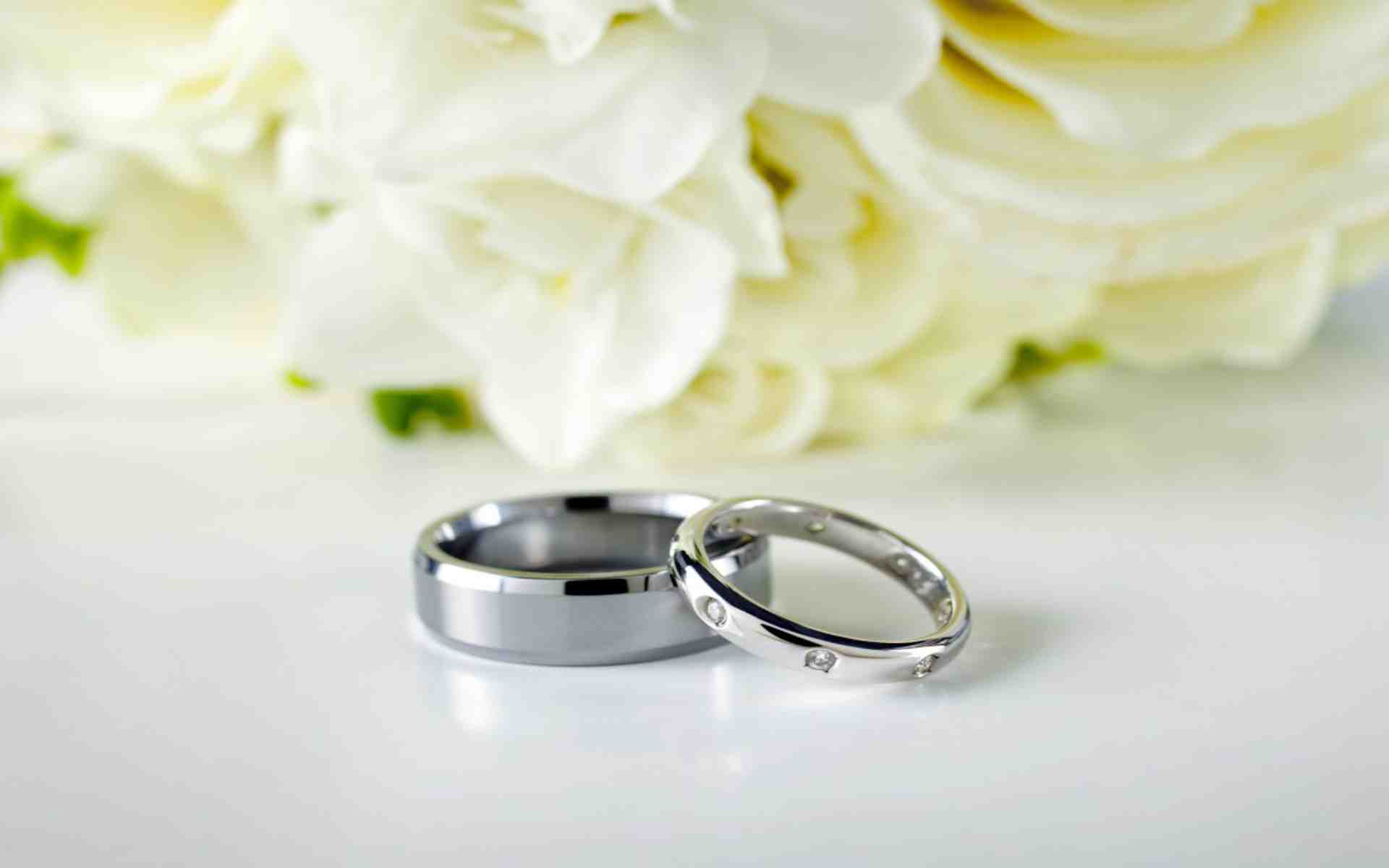 Rings wedding flowers