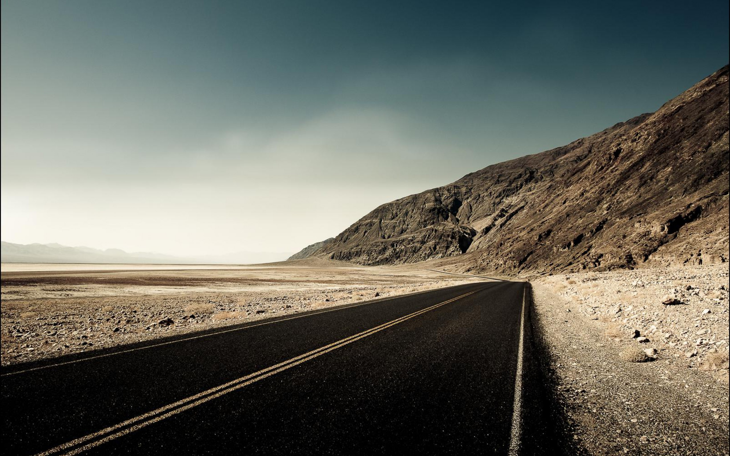 Unforgettable Landscape Empty Desert Road Wallpaper