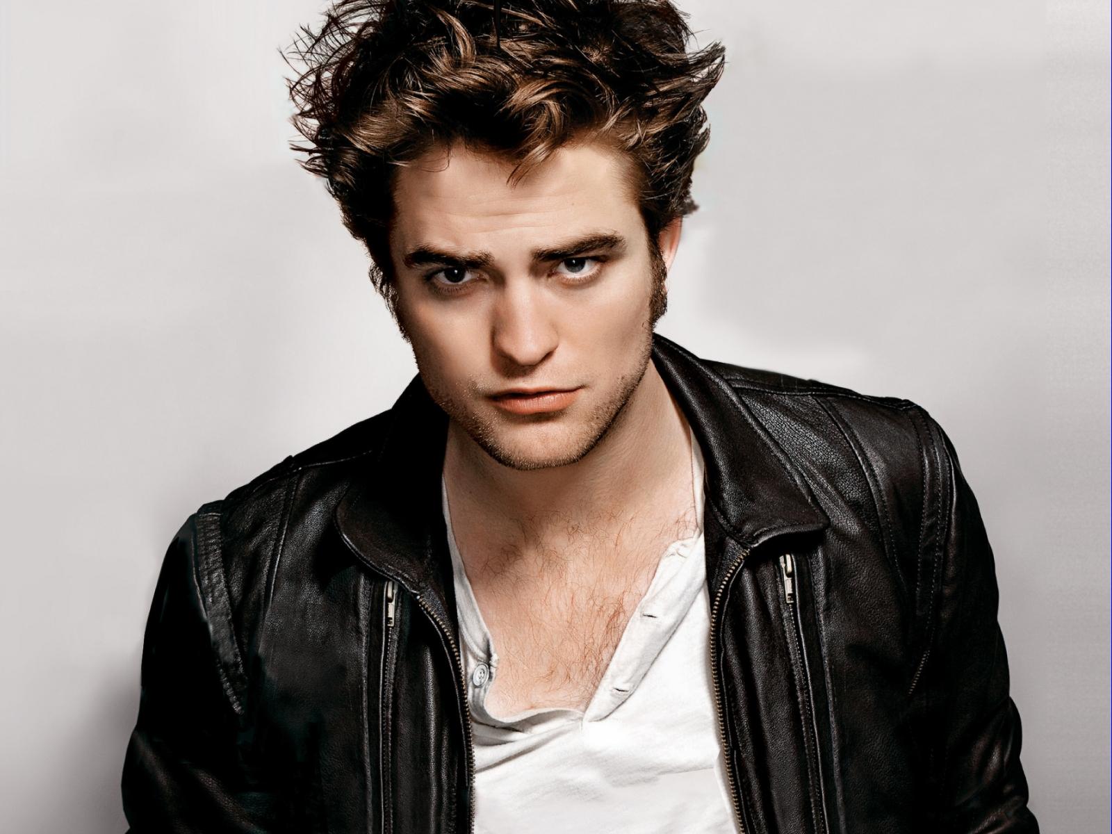 Robert Pattinson 25 Desktop Backgrounds