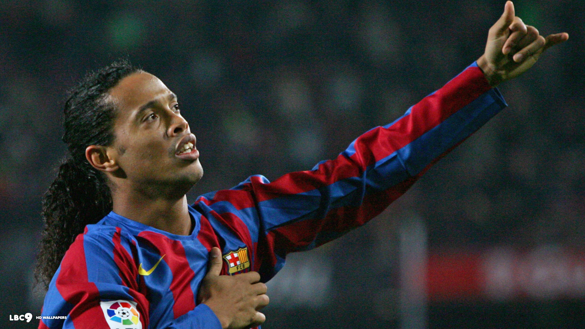 ronaldinho-barcelona-football-player ...