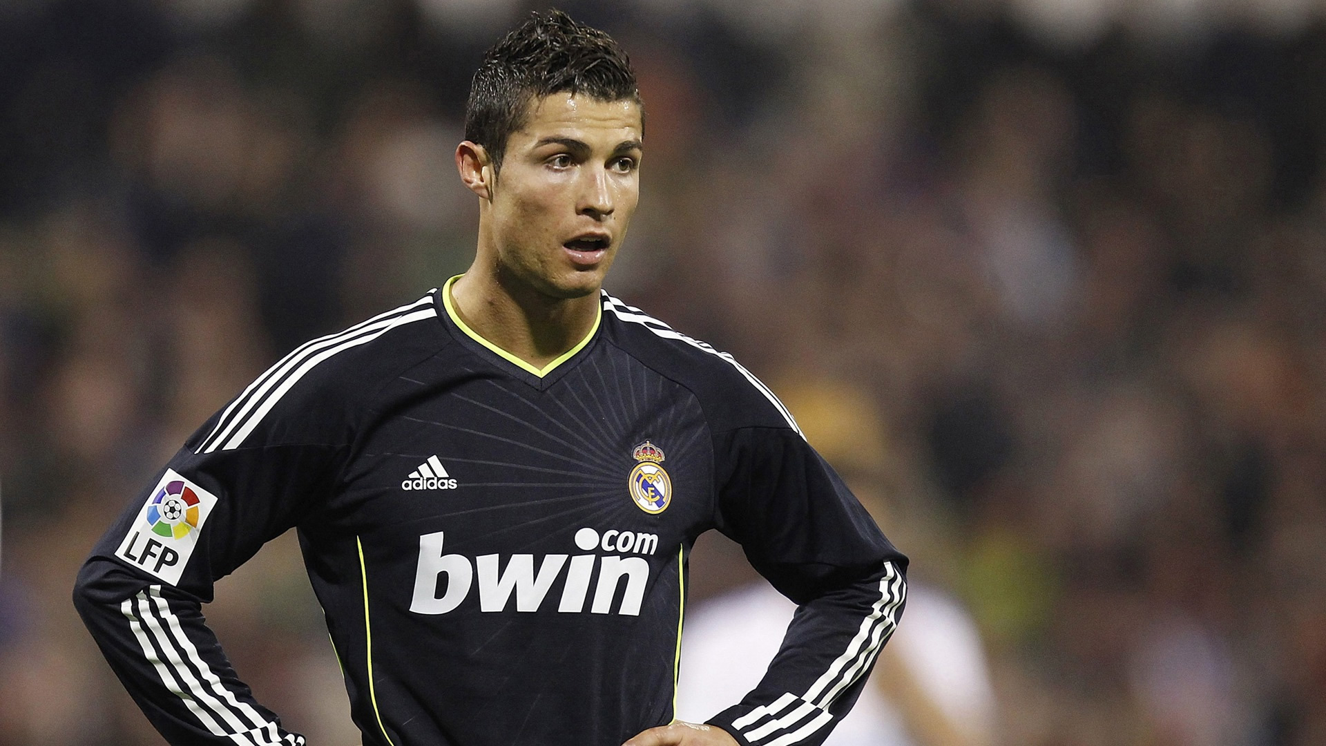 Ronaldo real madrid black shirt