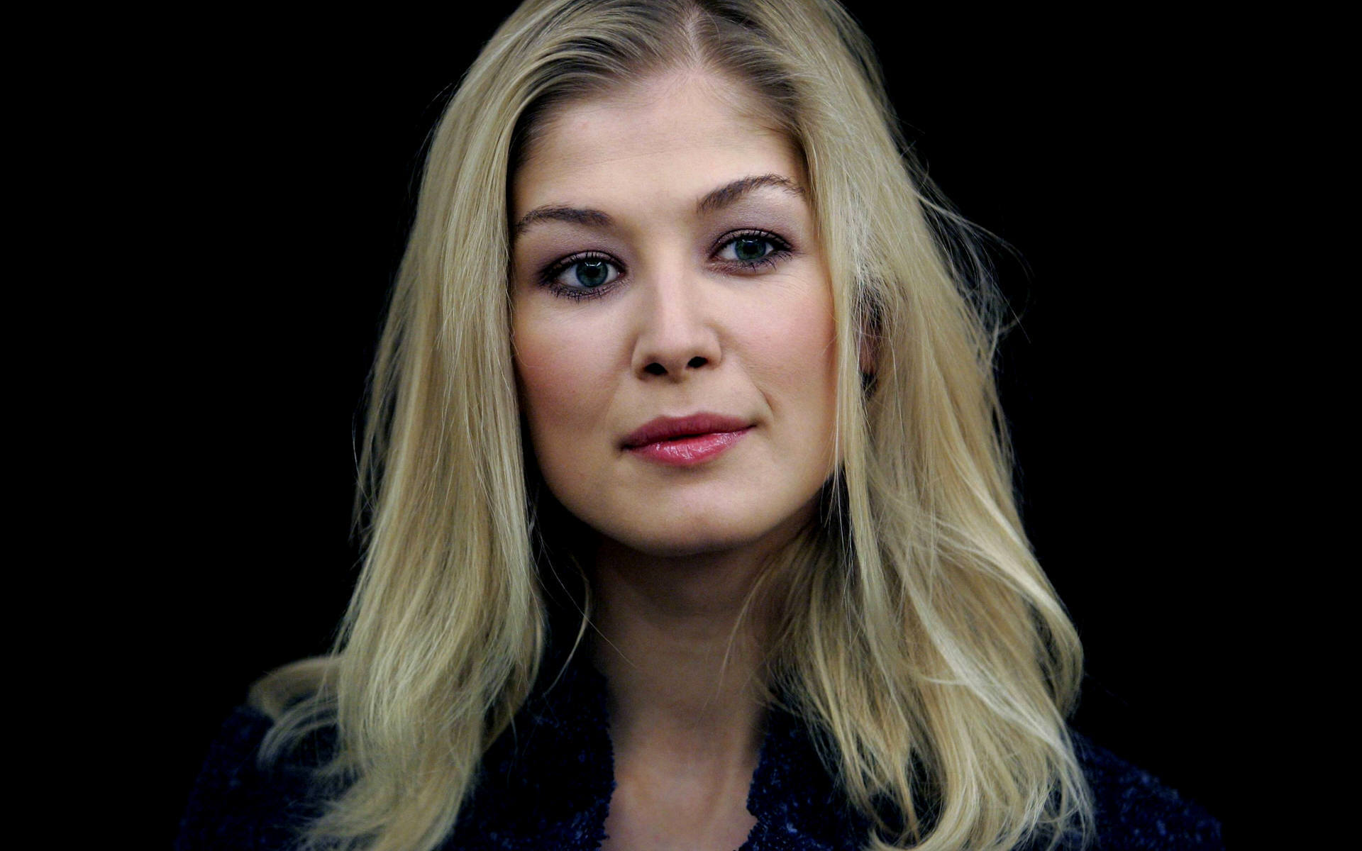 Rosamund Pike Photos