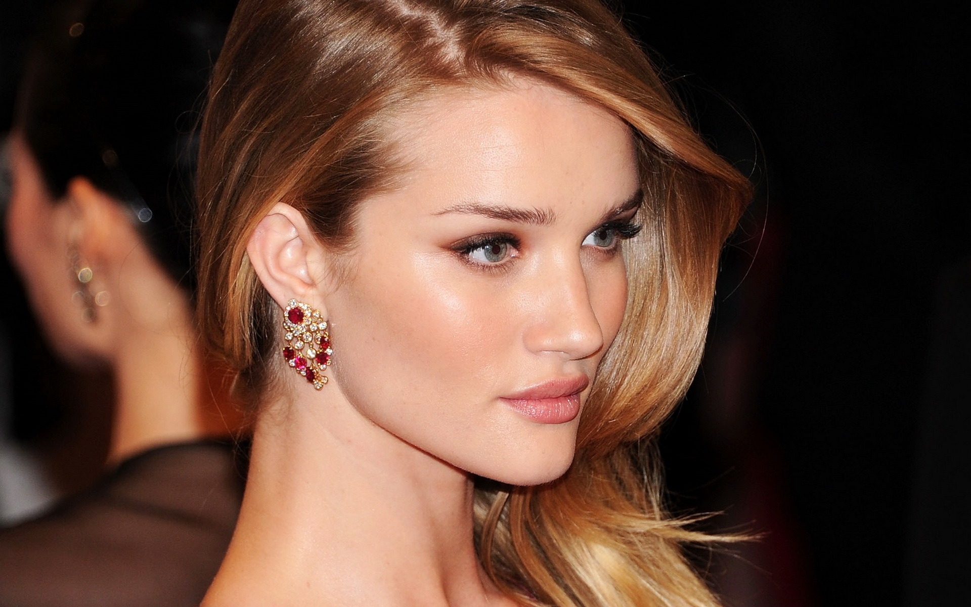 In a huge coup for locally owned beauty brand ModelCo, international model and all round babe Rosie Huntington-Whiteley has been tapped as the first ...