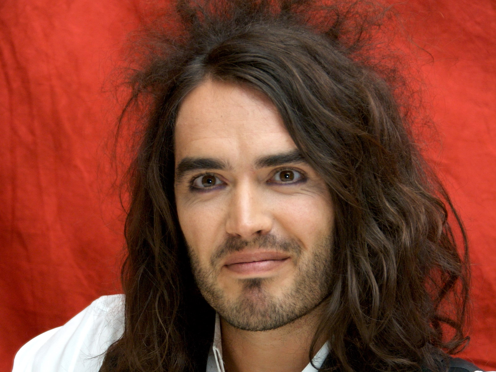russell brand wallpaper 02. Celebrities Wallpaper