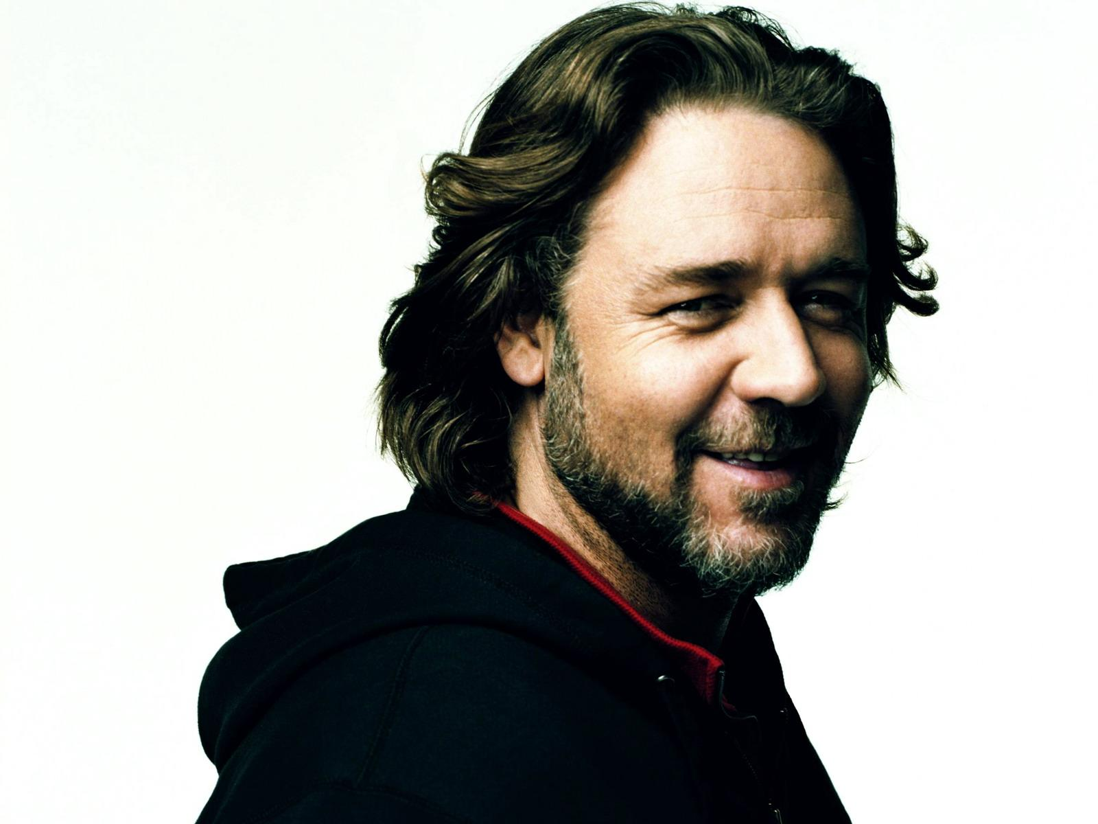 Russell Crowe HD wallpaper 1600x1200