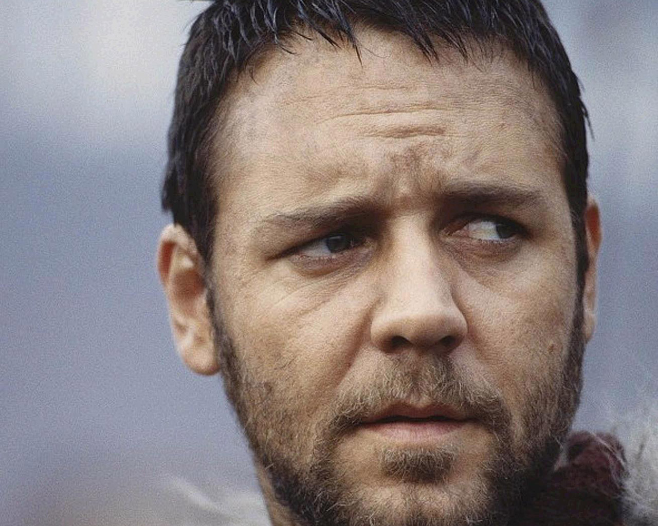 "Russell Crowe calls circumcision ""barbaric and stupid"" on Twitter 