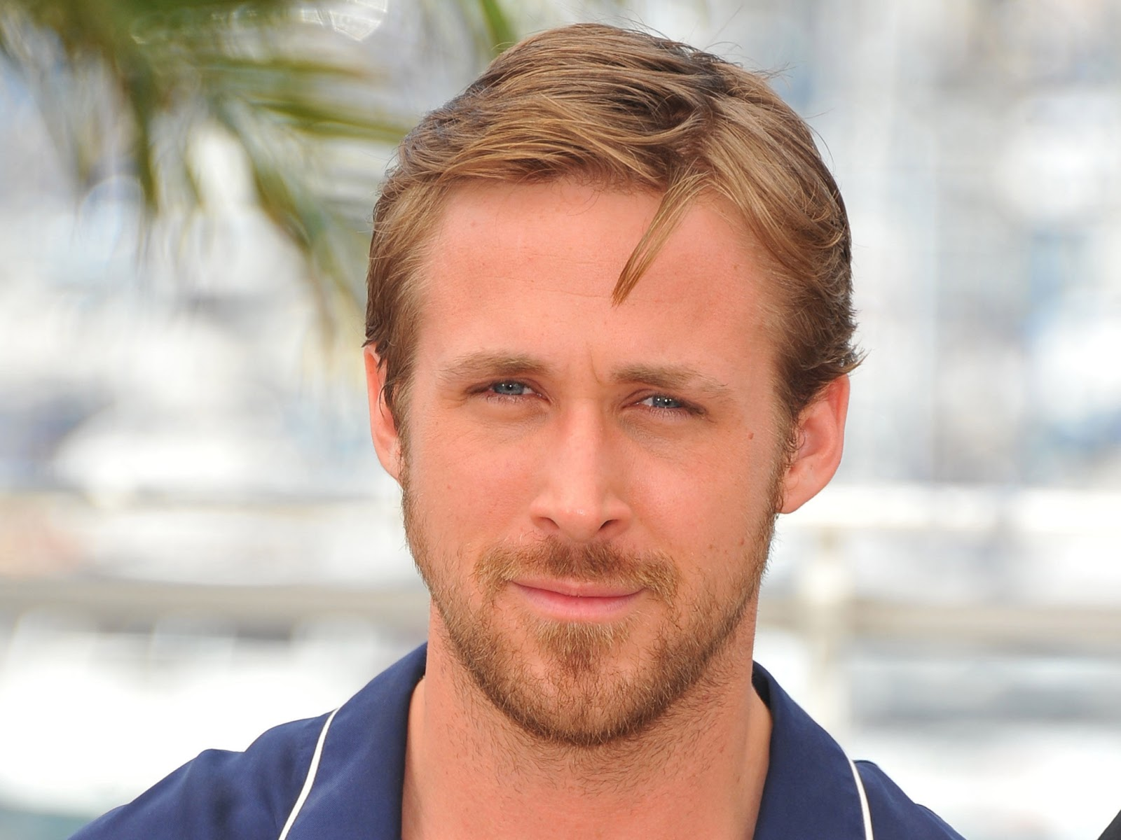 Handsome view of smilling face of Ryan Gosling