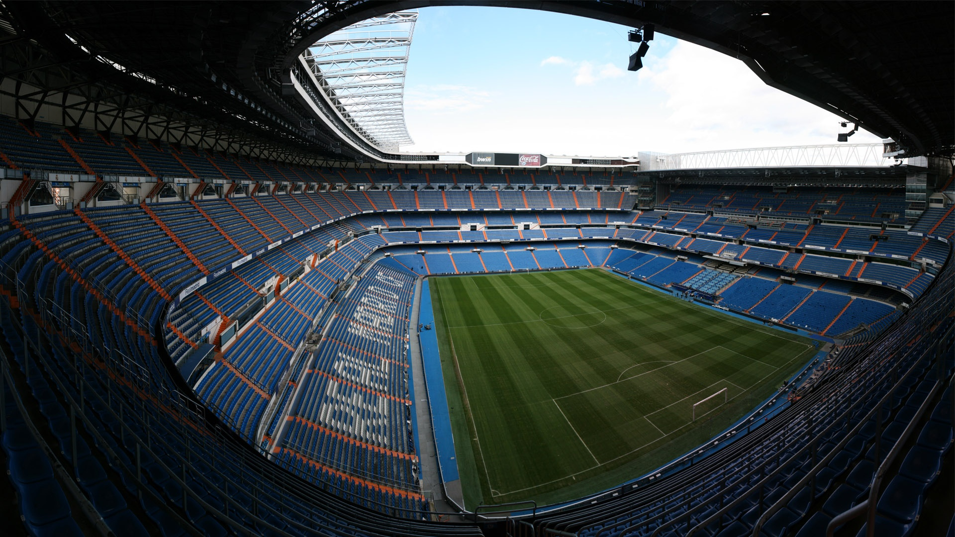 Free football wallpaper 1440x900 34816 for Puerta 4 santiago bernabeu