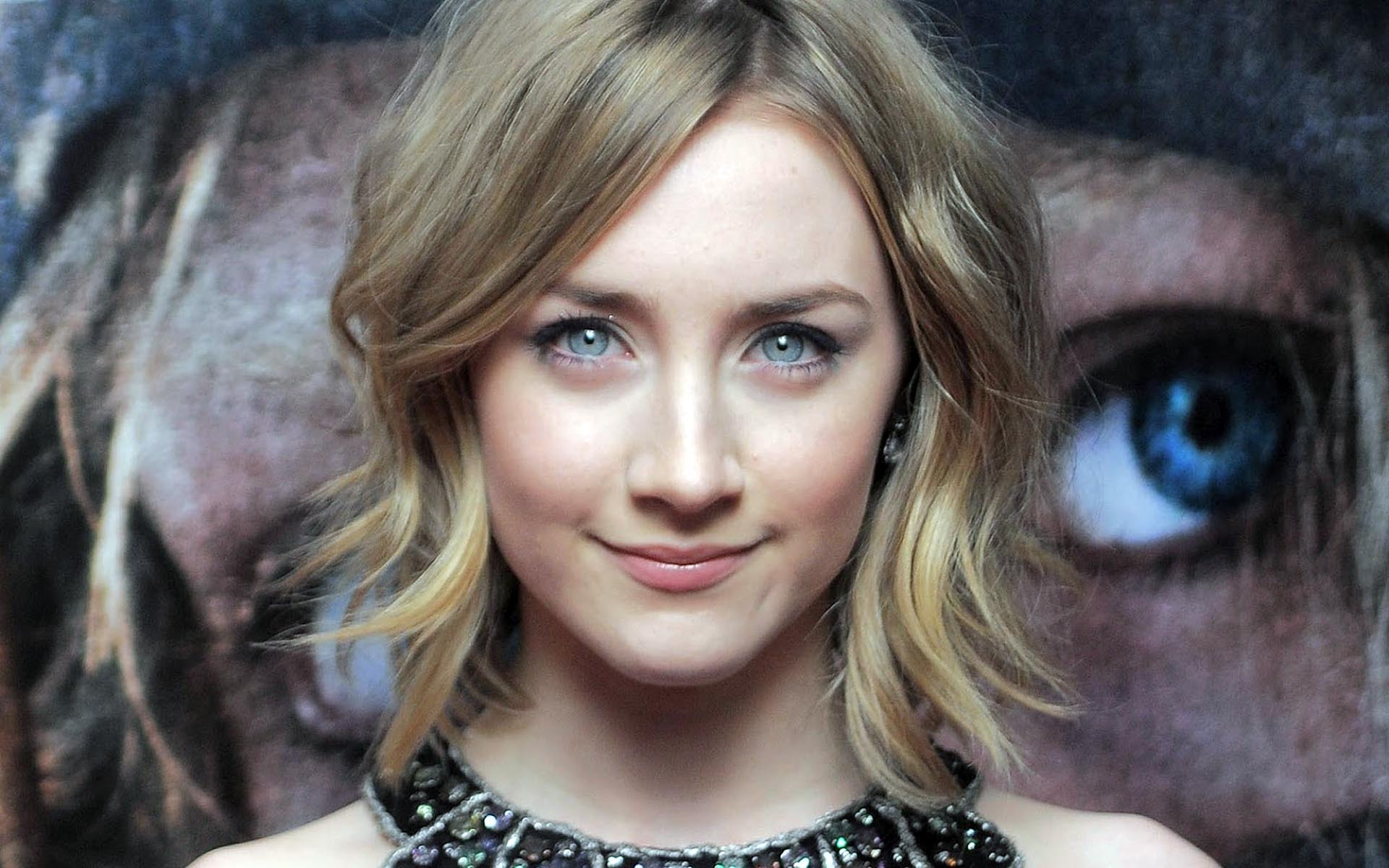 Saoirse Ronan awesome smilling face looking at you