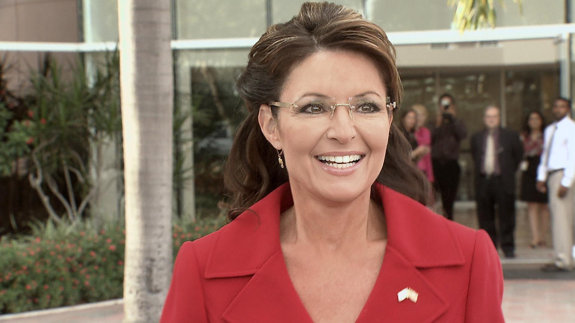 Sarah-Palin-Visits-South- ... HD Wallpaper