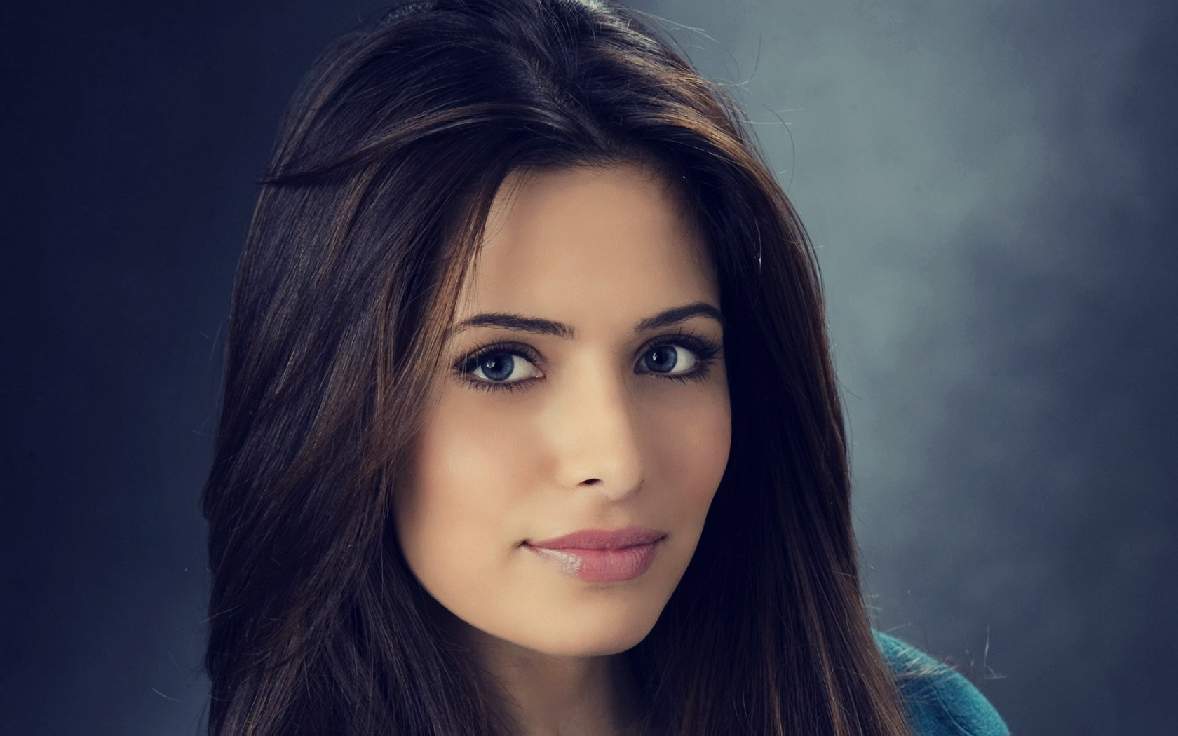 Sarah Shahi Girl Actress